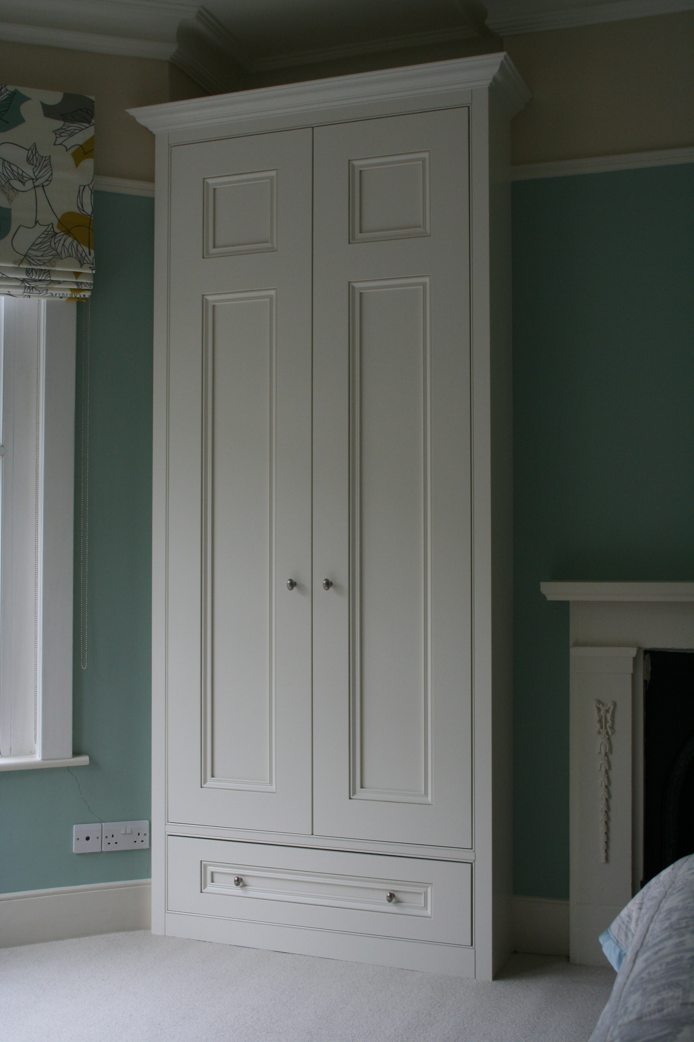 Featured Image of Alcove Wardrobes Designs