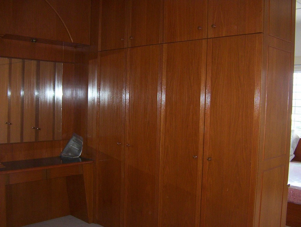 Apartment For Sale January 2006 Pertaining To Solid Wood Built In Wardrobes (Image 2 of 15)