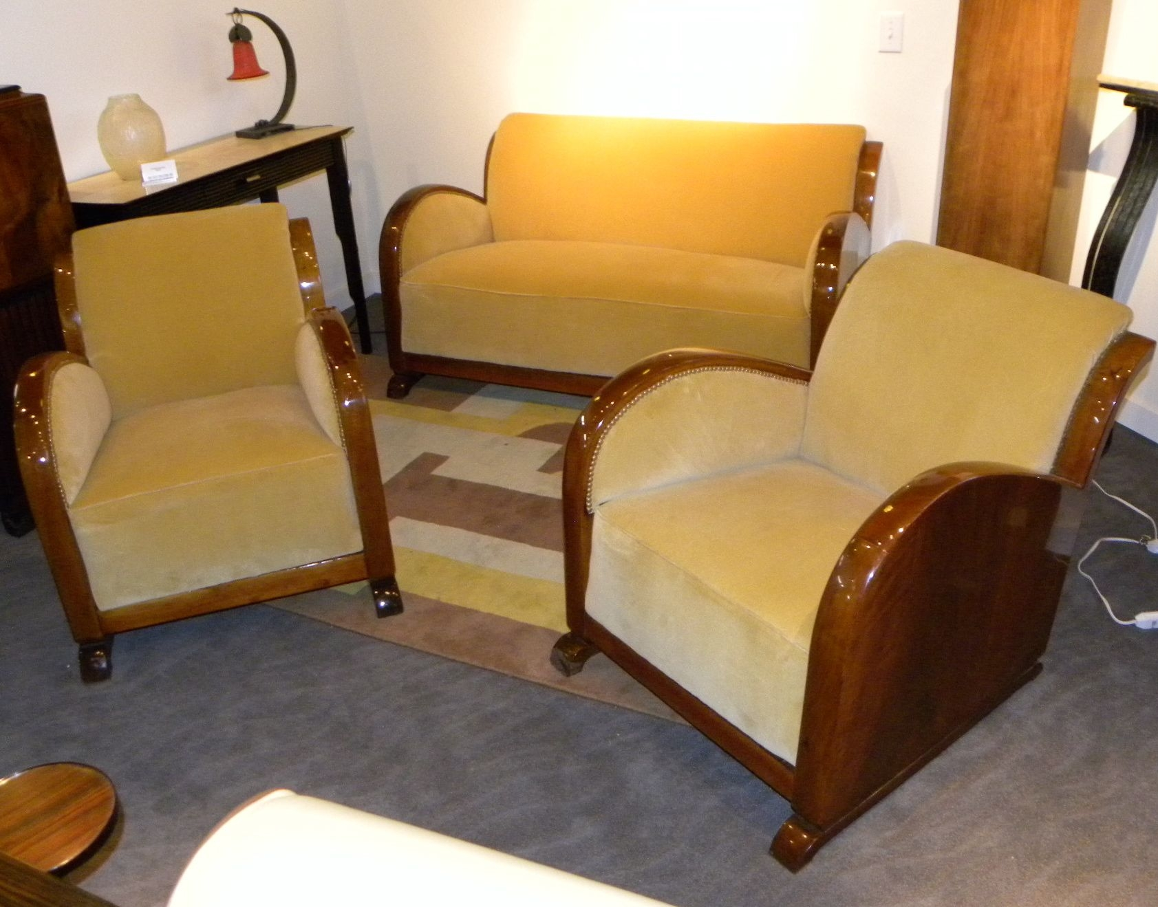 Featured Image of Art Deco Sofa And Chairs
