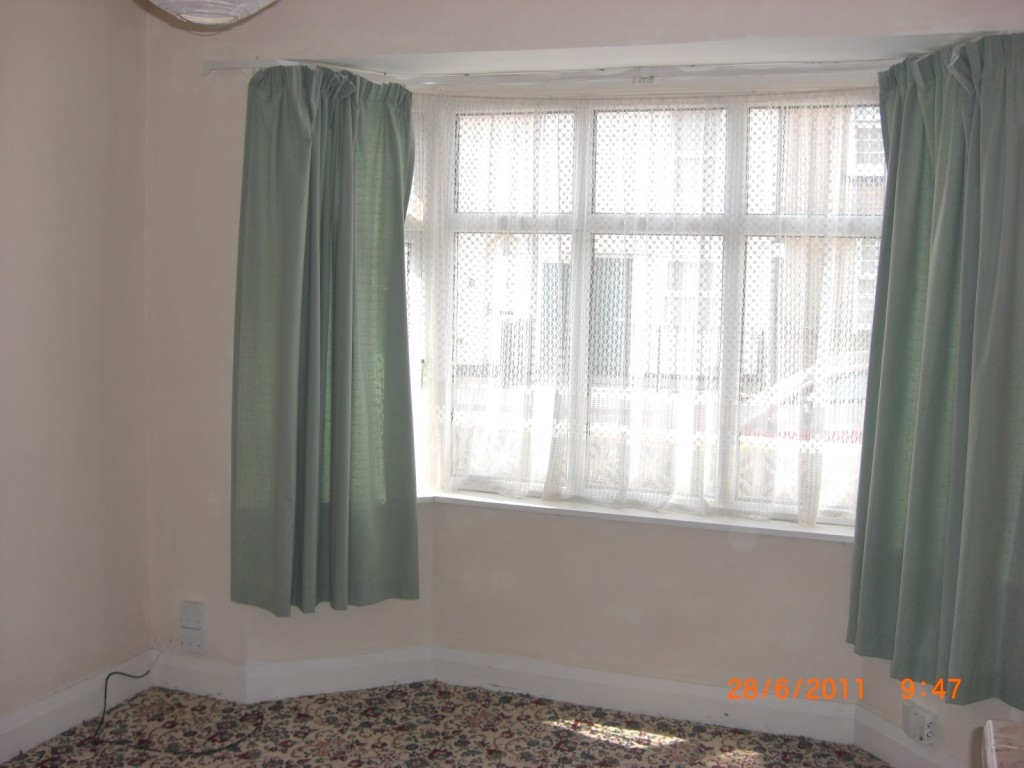 Bay Window Drapes Curtain Ideas Surripui In Curtains Windows (Image 1 of 25)