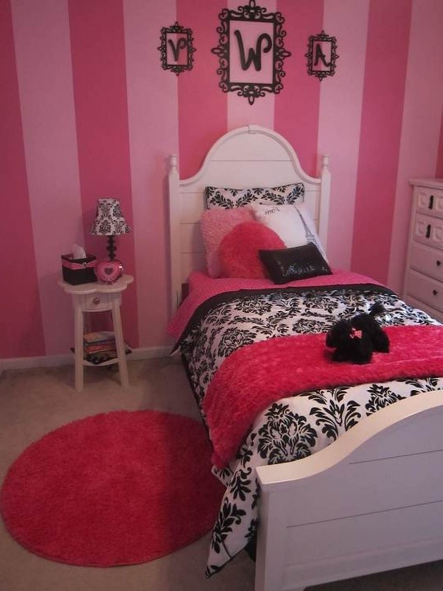 Bedroom Attractive Bedroom Decoration Using Dark Grey Small Rugs With Small Red Rugs (Image 1 of 15)