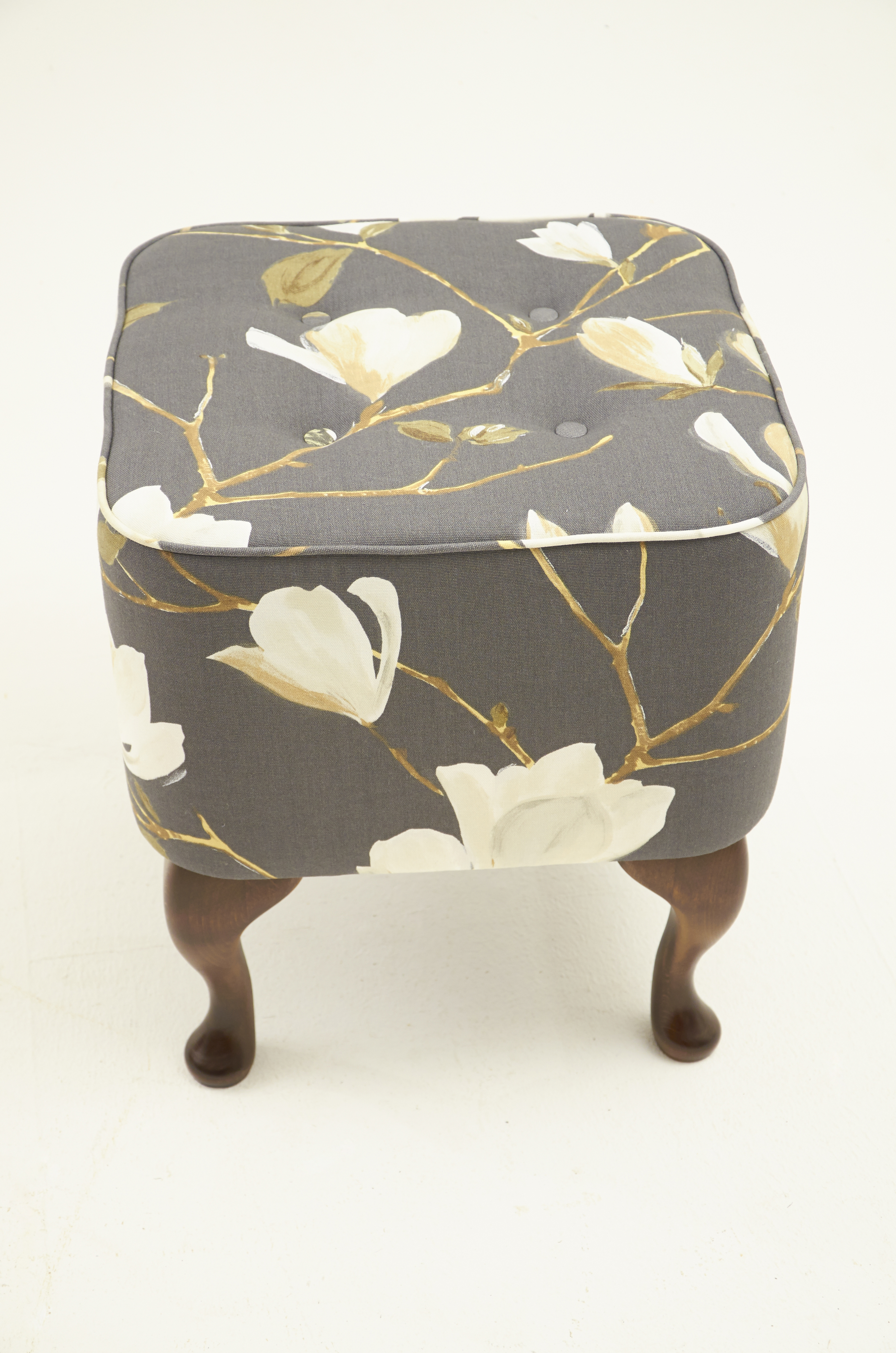 Featured Image of Footstools And Pouffes