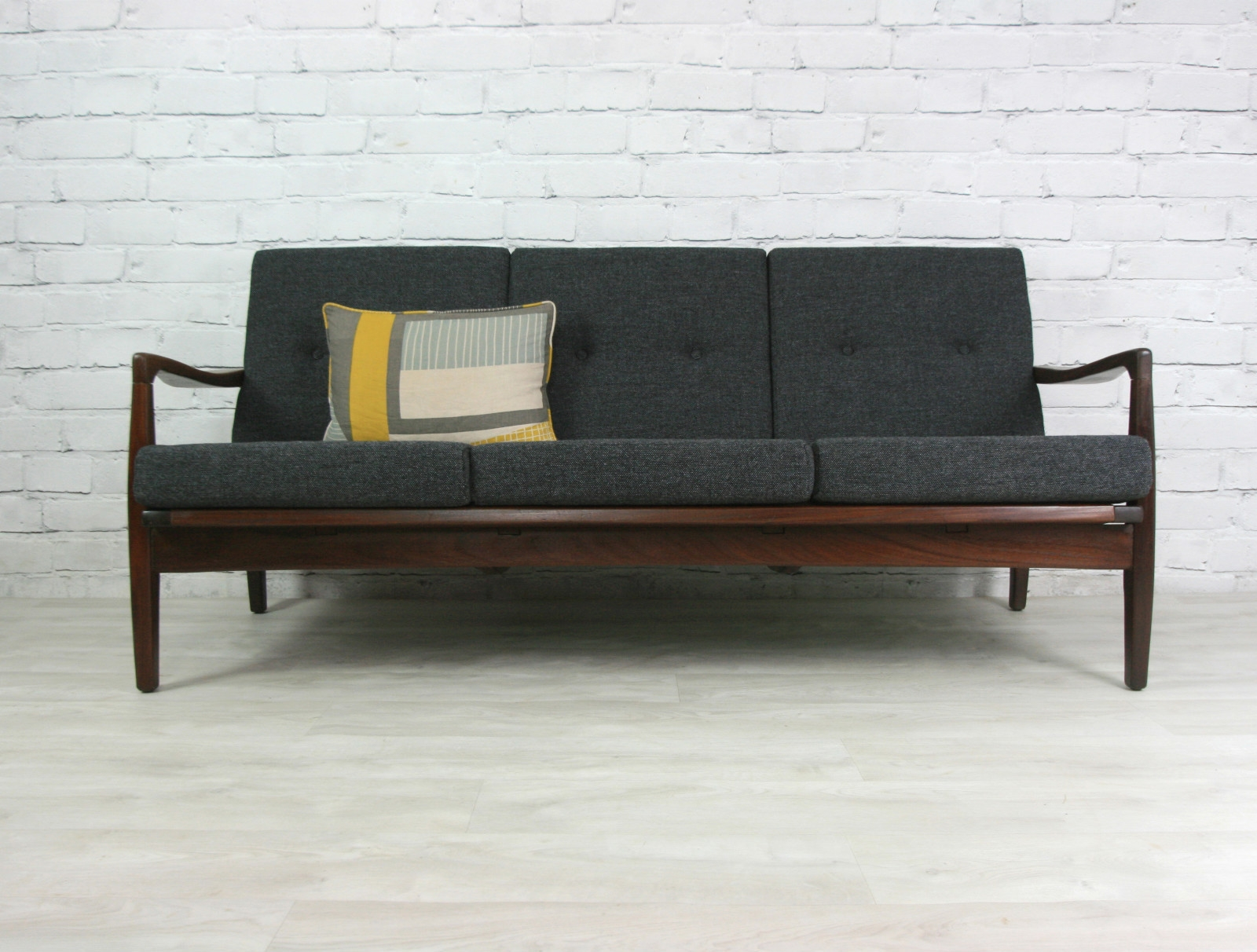 Best 20 Retro Sofa Ideas On Pinterest In Retro Sofas And Chairs (Image 3 of 15)