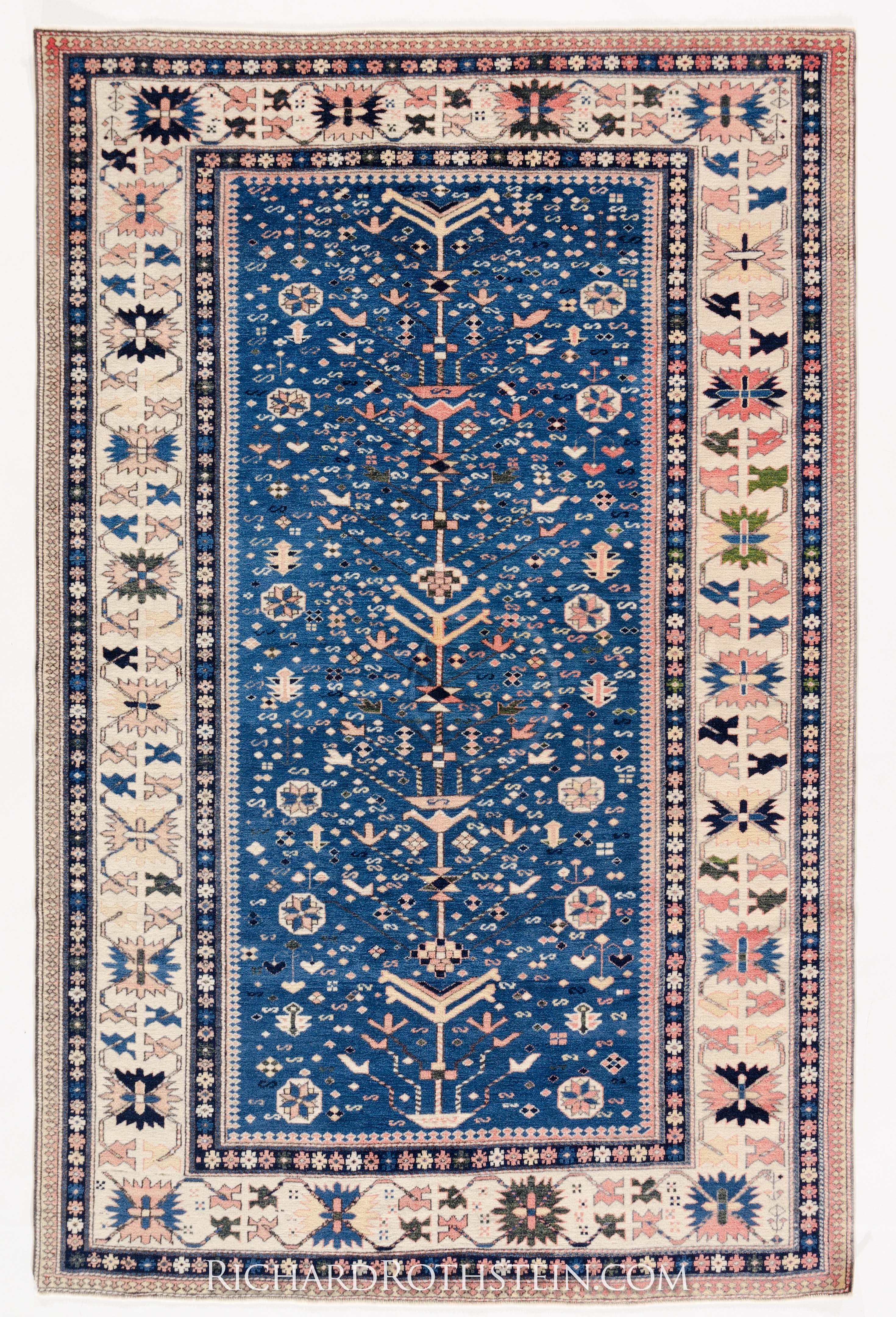Featured Image of Blue Persian Rugs