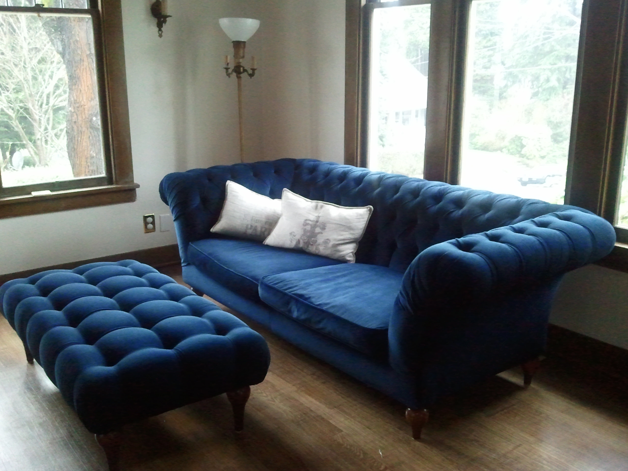 Blue Tufted Ottoman It Is Gorgeous Midnight Blue Velvet With Blue Sofa Chairs (Image 6 of 15)