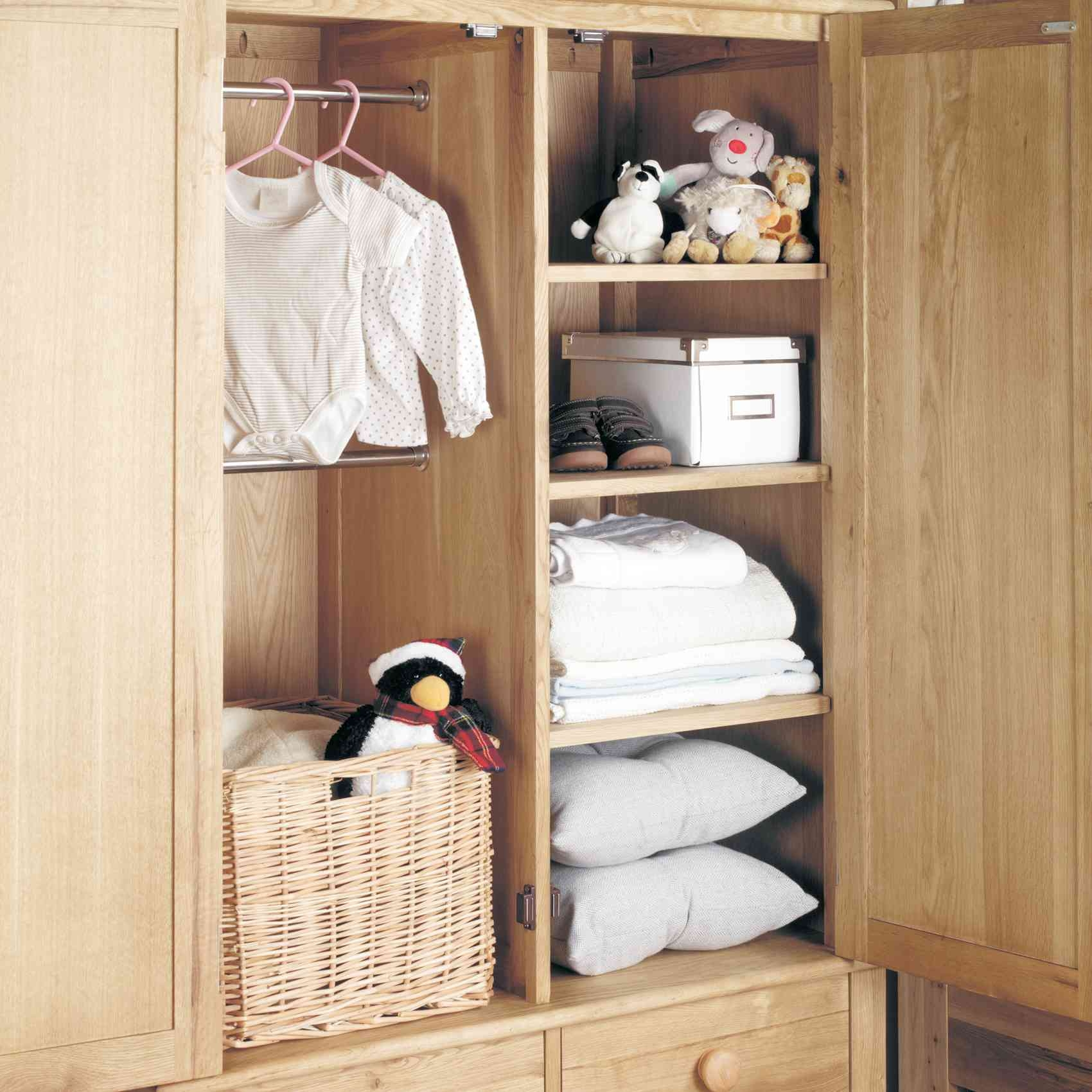 Childrens Oak Double Wardrobe Hampshire Furniture In Wardrobe Double Hanging Rail (Image 5 of 15)