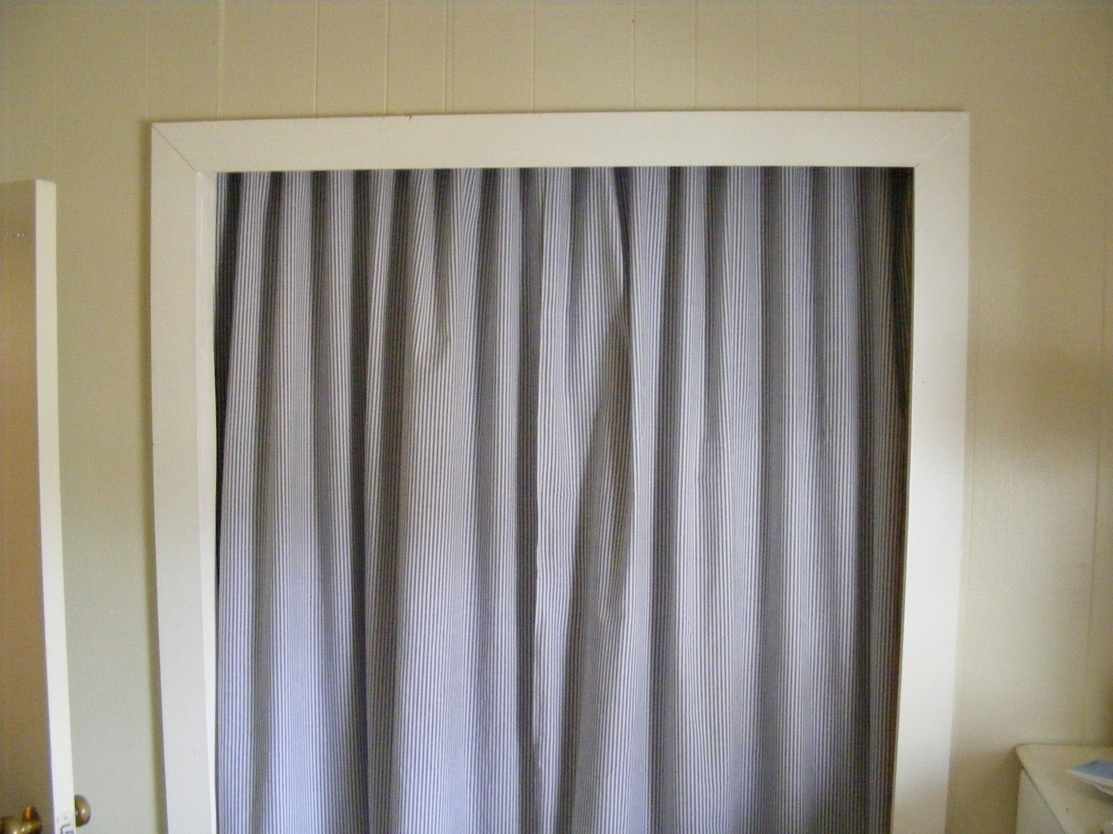 Closet Door Curtain Rod Throughout Fabric Door Curtains (Image 7 of 25)
