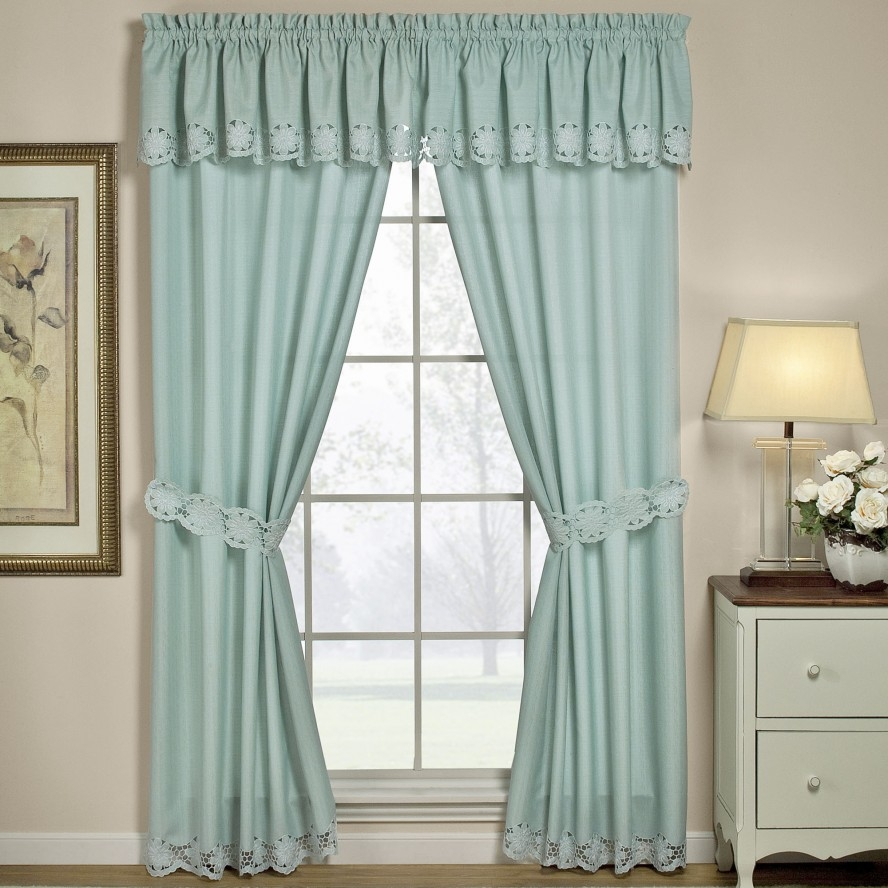 Curtains For Bedrooms 7 Beautiful Window Treatments For Bedrooms With Curtains For Bedrooms (Image 19 of 25)