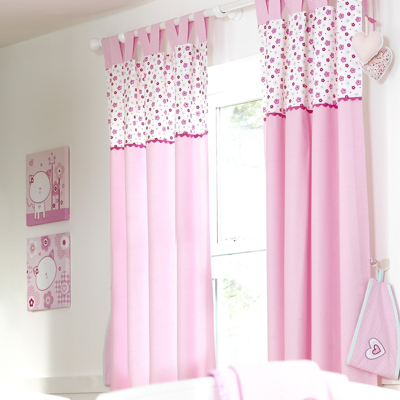 Curtains For Little Girls Bedroom With Regard To Bedroom Curtains For Girls (View 14 of 25)