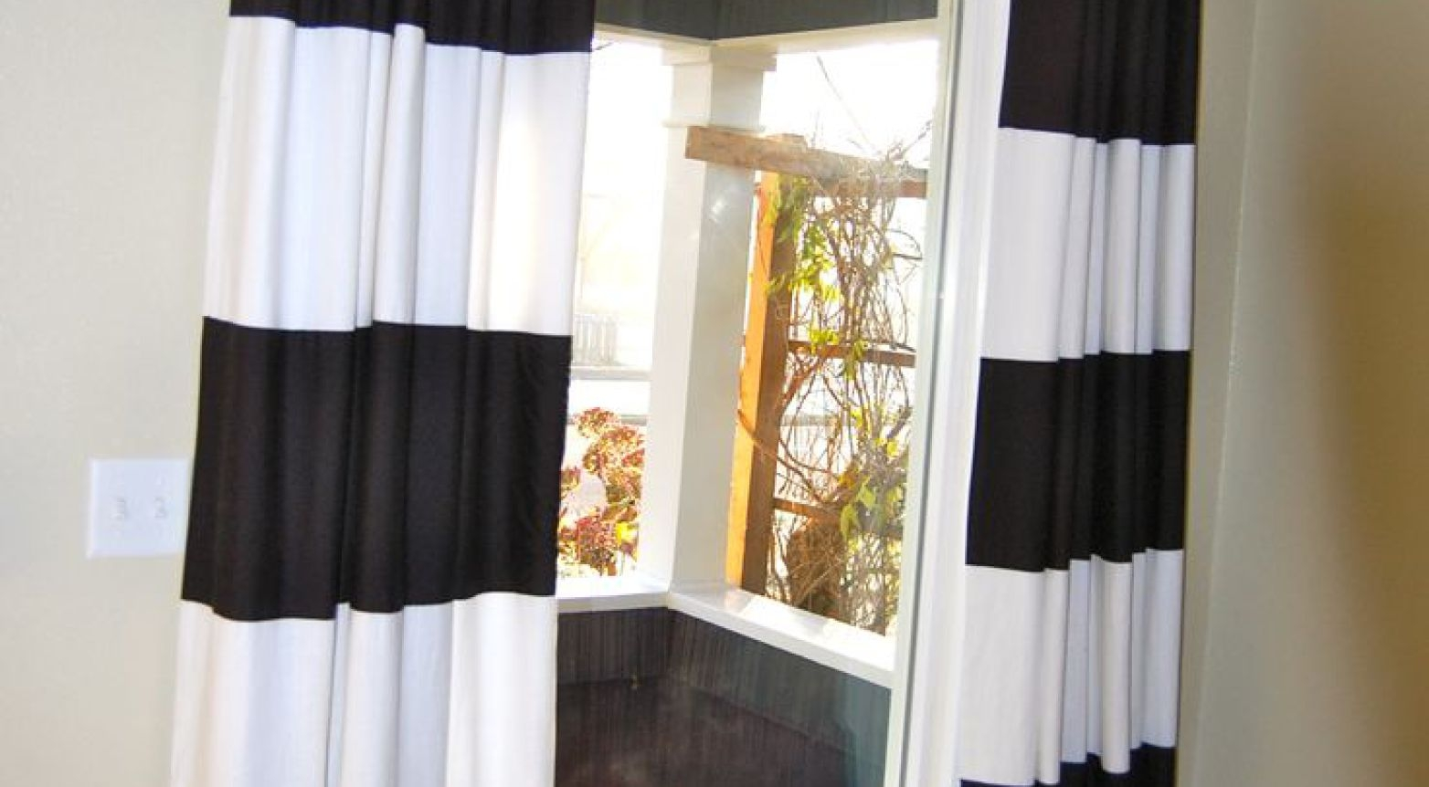 Featured Image of Very Cheap Curtains