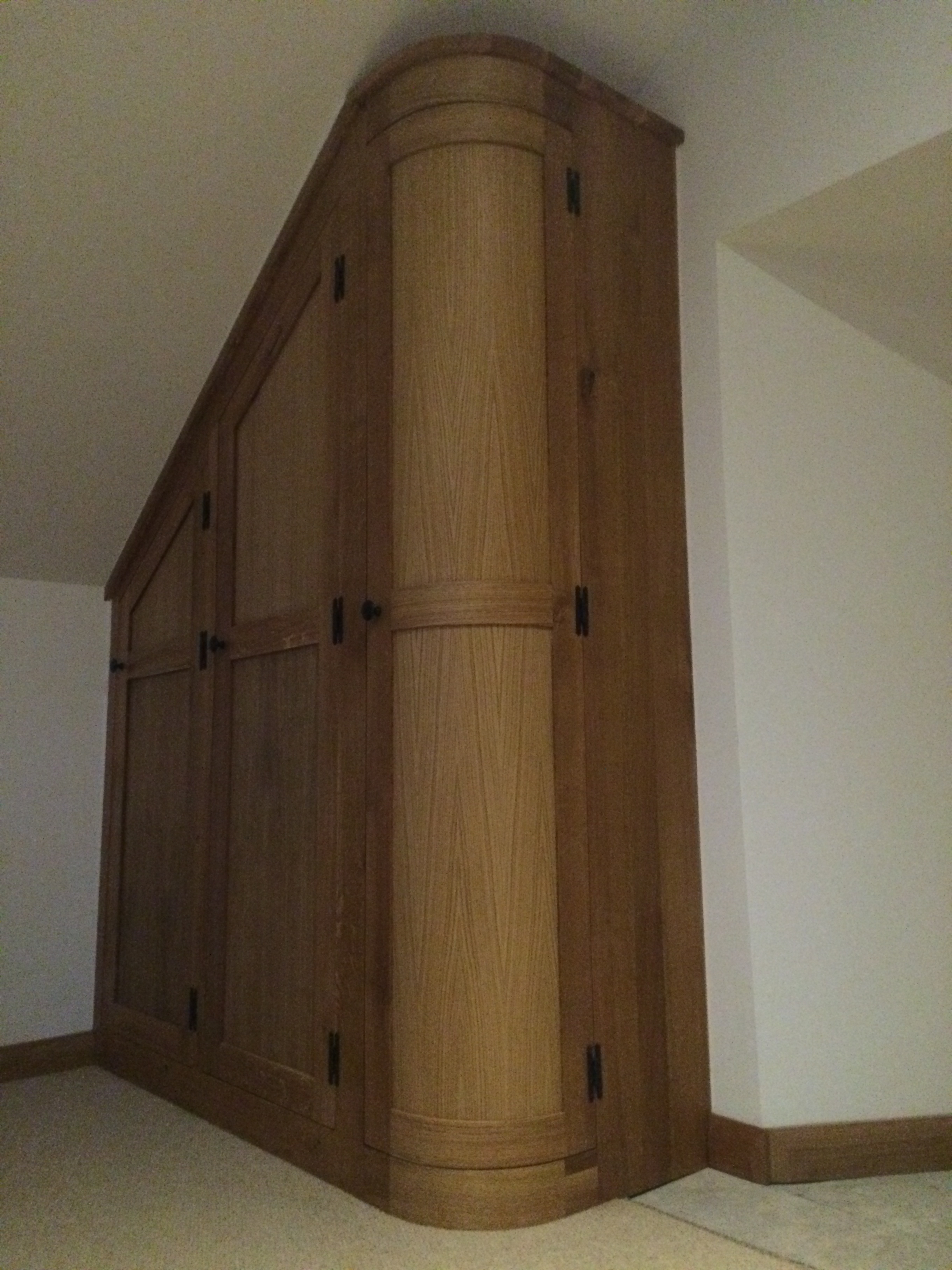 Curved Wardrobe Doors Create Real Interest In This Fitted Dressing Regarding Curved Wardrobe Doors (Image 3 of 15)