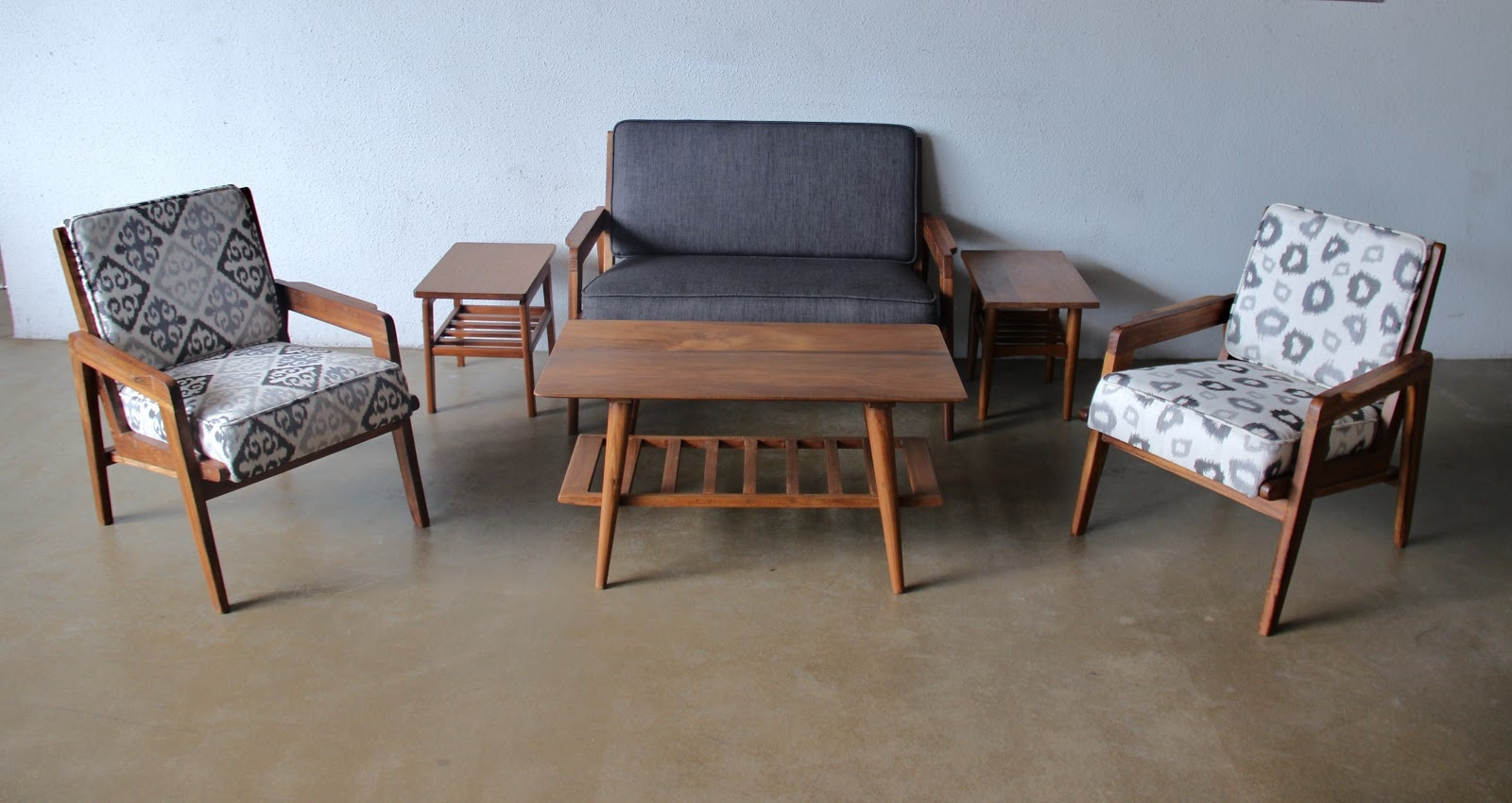 Decoration Retro Sofas And Chairs With Retro Sofa Couch Design Intended For Retro Sofas And Chairs (Image 5 of 15)