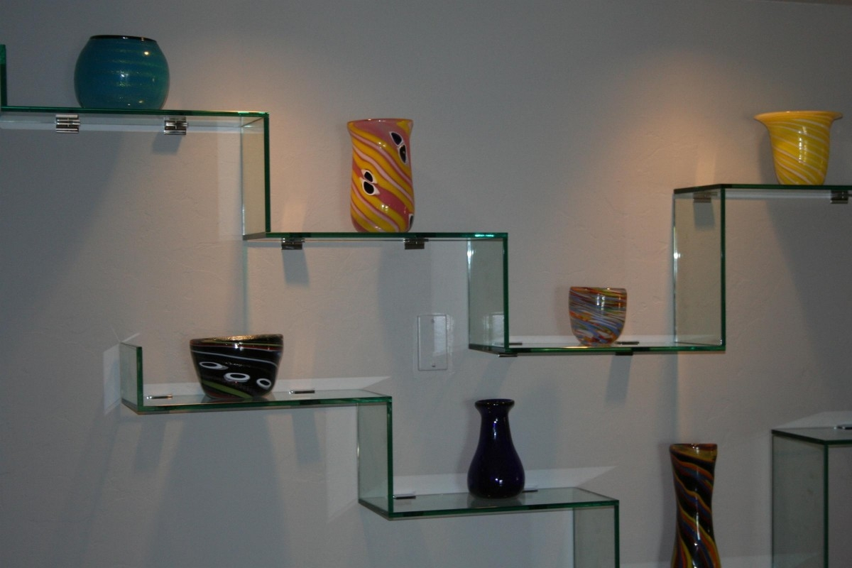 Featured Image of Glass Shelves In Living Room