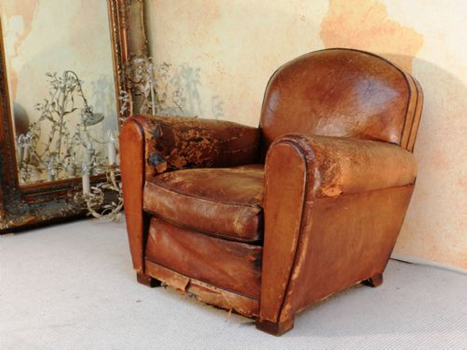 Distressed Leather Club Chair Hjzyxgb Club Chairs Pinterest With Regard To Vintage Leather Armchairs (Image 3 of 15)