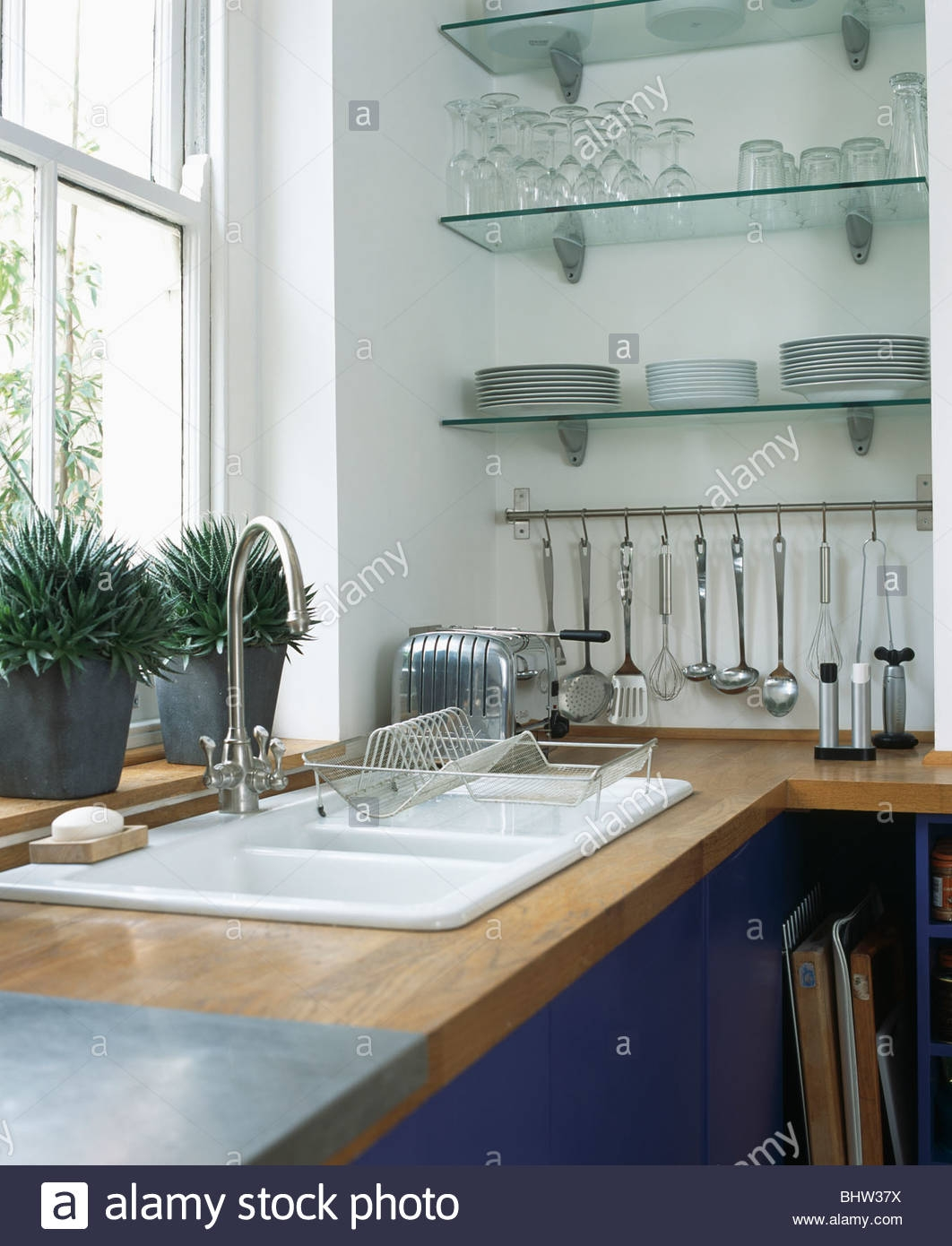 Featured Image of Glass Kitchen Shelves