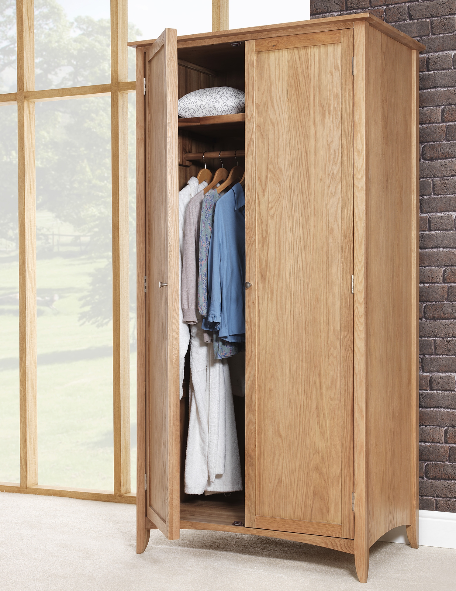 Featured Image of Double Rail Wardrobe