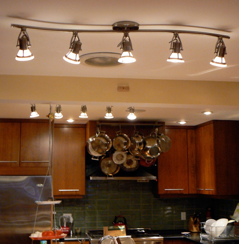 Excellent Preferred Luxury Track Lighting Throughout Track Lighting In The Kitchen  (Image 6 of 25)