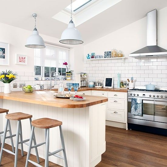 Fantastic Common Short Pendant Lights Regarding Cream Kitchen With Short Pendant Lights Kitchen Decorating (Image 11 of 25)