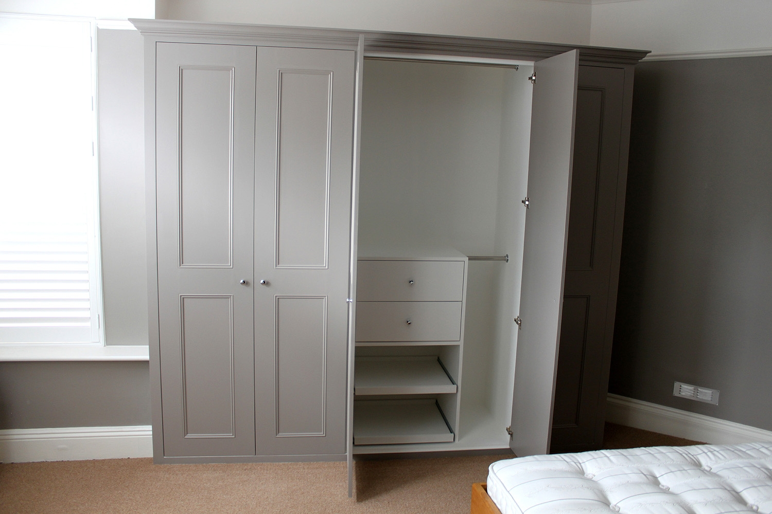 Fitted Sliding Wardrobes Excellent Mirrored Fitted Wardrobes Regarding Solid Wood Fitted Wardrobes (View 9 of 15)