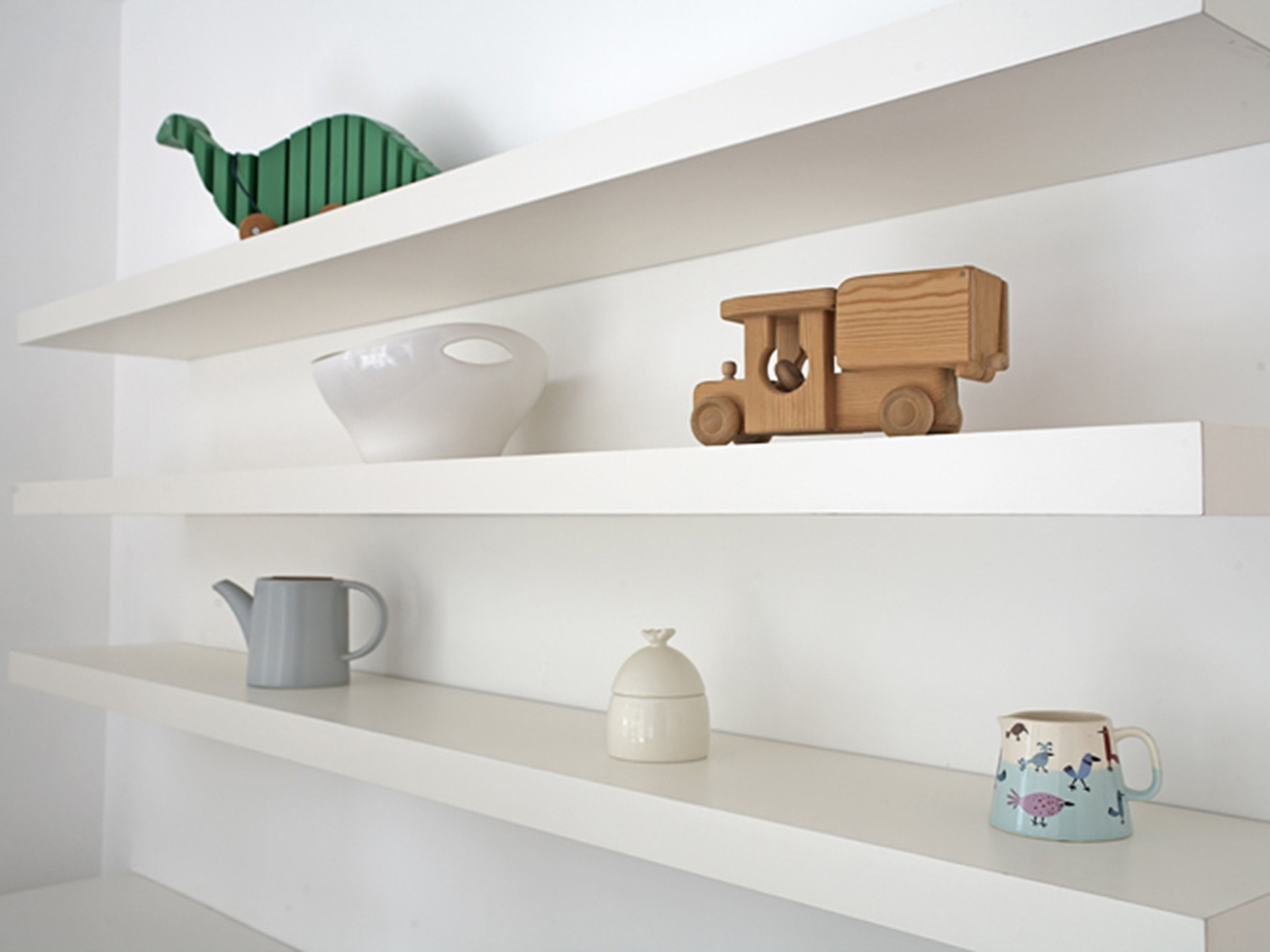 Featured Image of Floating Shelves