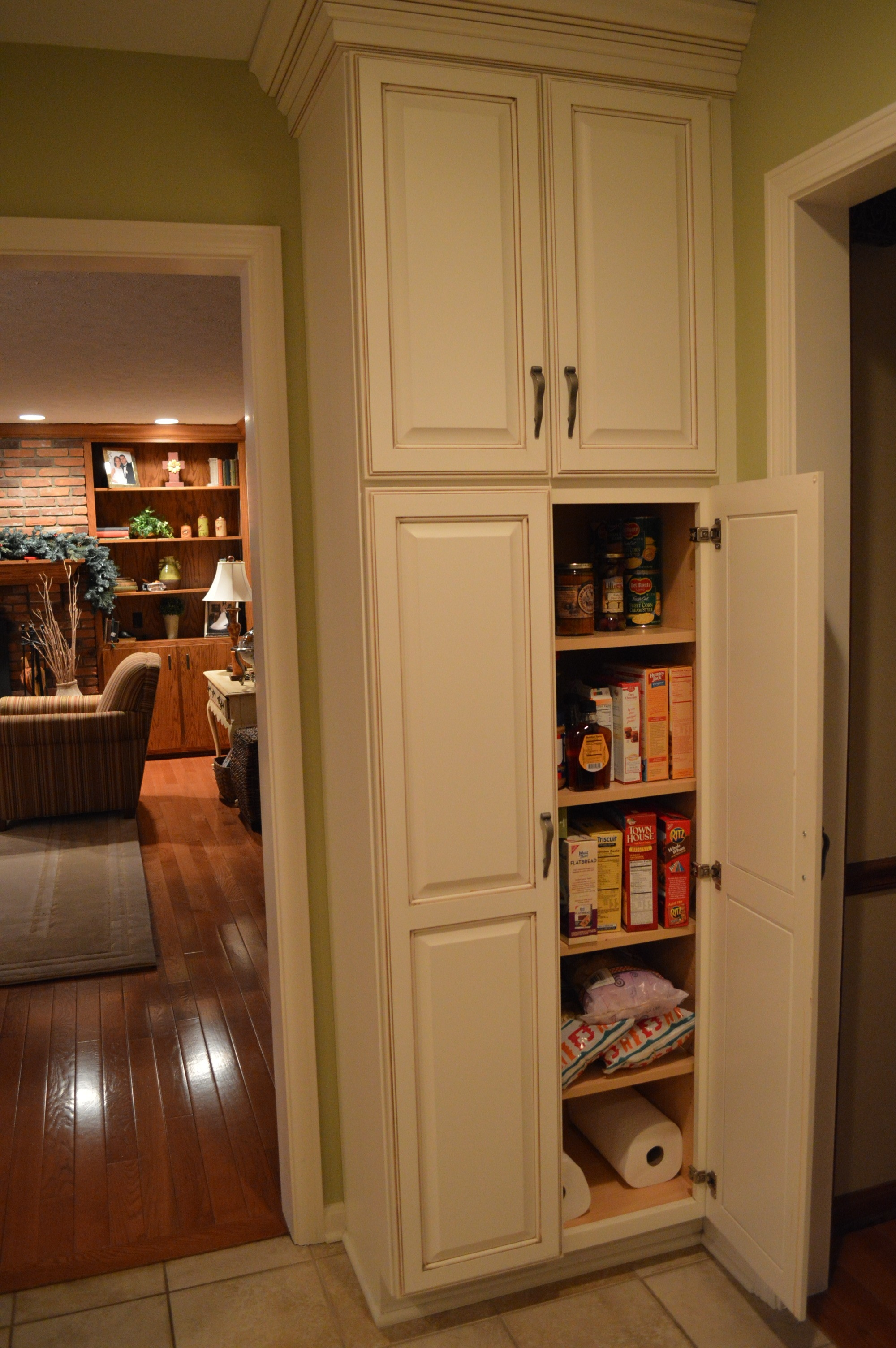 Free Standing Kitchen Pantry Oyzwgw Kitchens Pinterest 4004 Regarding Free Standing Kitchen Larder Cupboards (View 21 of 25)