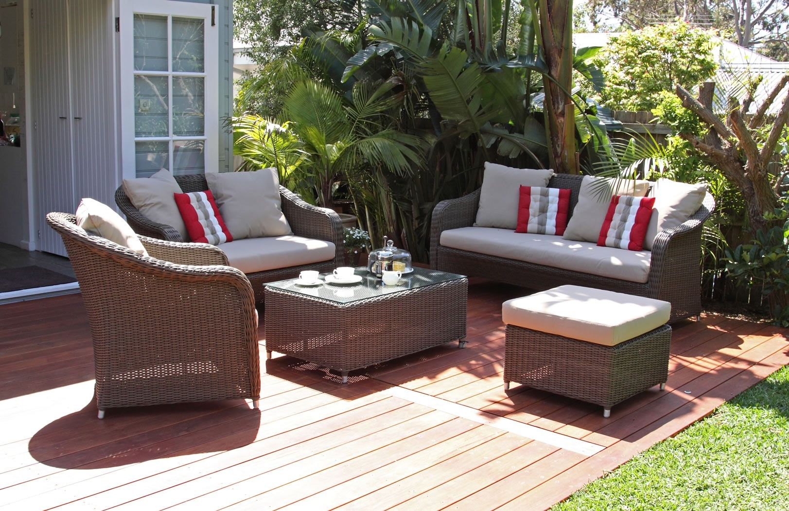 Glamorous Outdoor Lounging Furniture Lounge Chairs Outdoor Inside Outdoor Sofas And Chairs (Image 10 of 15)