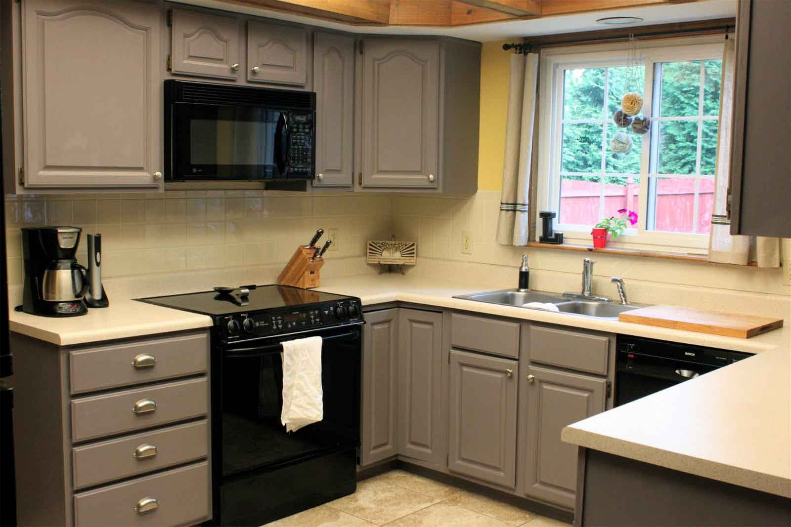 Glamorous Yellow And White Painted Kitchen Cabinets 1000 Images Pertaining To Kitchen Cupboards (View 20 of 25)