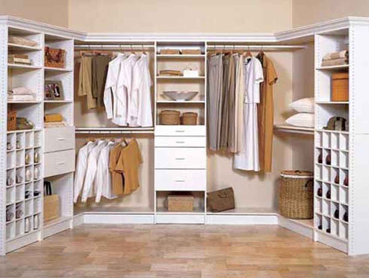 Green Area Carpet Walk In Closet Small Space L Shaped White Finish In Space Saving Wardrobes (Image 17 of 25)