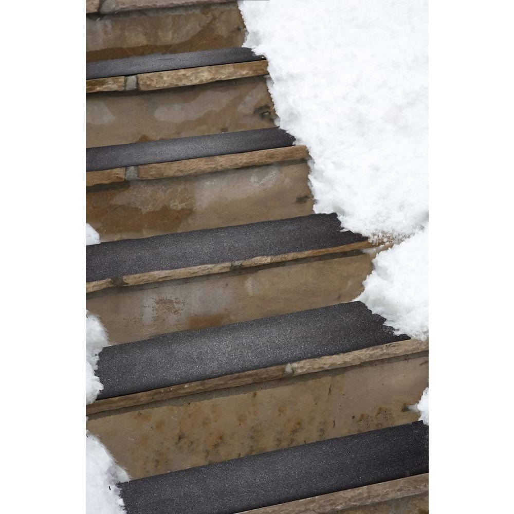 Heattrak 10 In X 30 In Residential Snow Melting Stair Mat Hr10 With Traction Pads For Stairs (Image 8 of 15)
