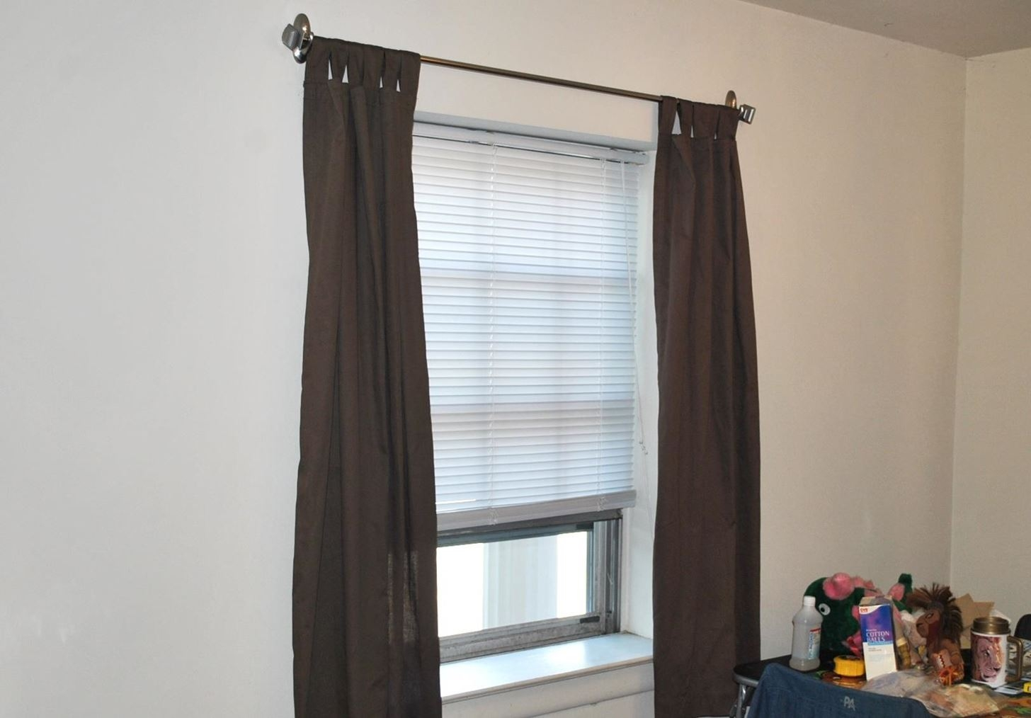 How To Hang Curtains Without Making Holes In The Wall Interior Regarding Hanging Curtains (View 17 of 25)