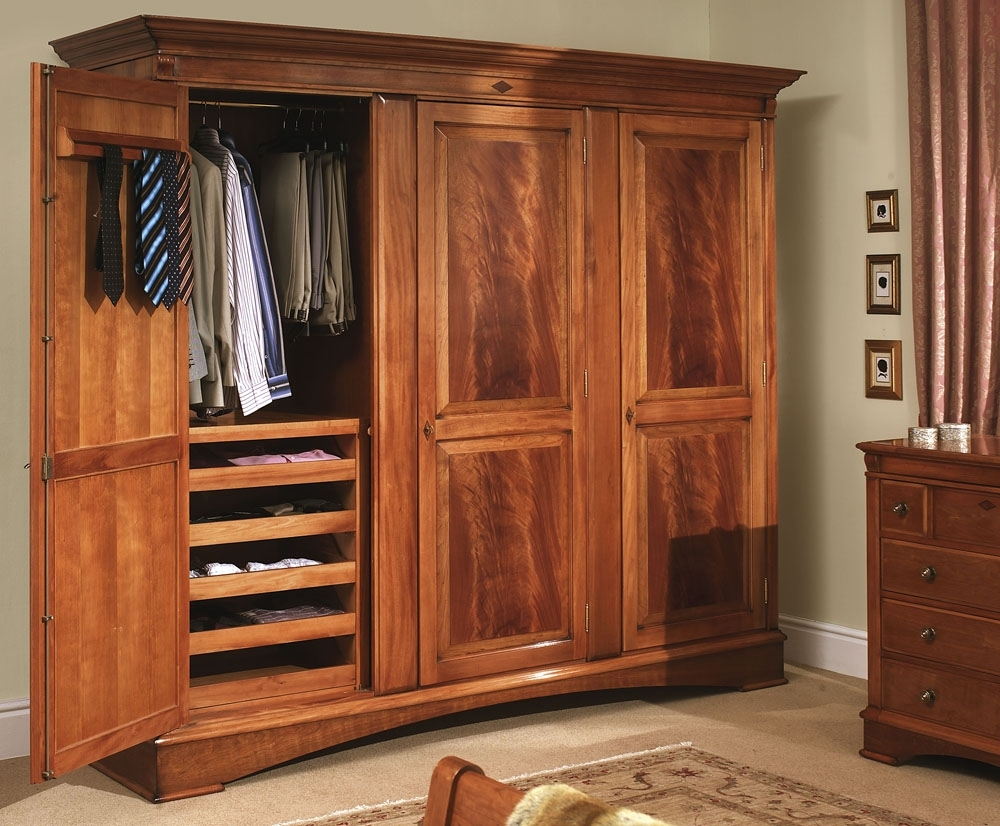Featured Image of Large Wooden Wardrobes
