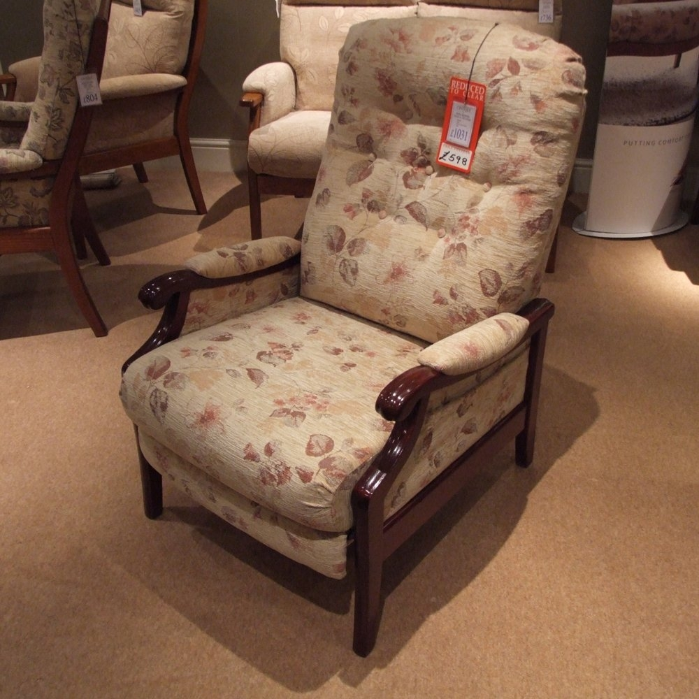 Innovative Fashionable Cintique Winchester Chairs Regarding Cintique Winchester Manual Recliner Clearance (Image 9 of 15)
