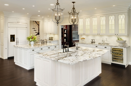 Innovative Premium Matching Pendant Lights And Chandeliers For Does The Pendant Light And The Chandelier Over The Table Need To (View 9 of 25)