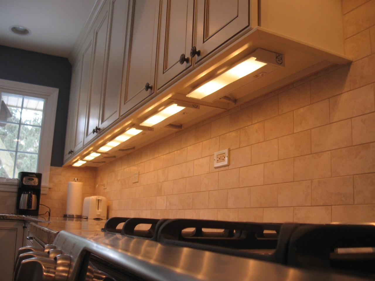 Kitchen Under Cabinet Lighting For Kitchen Under Cupboard Lights (Image 13 of 25)