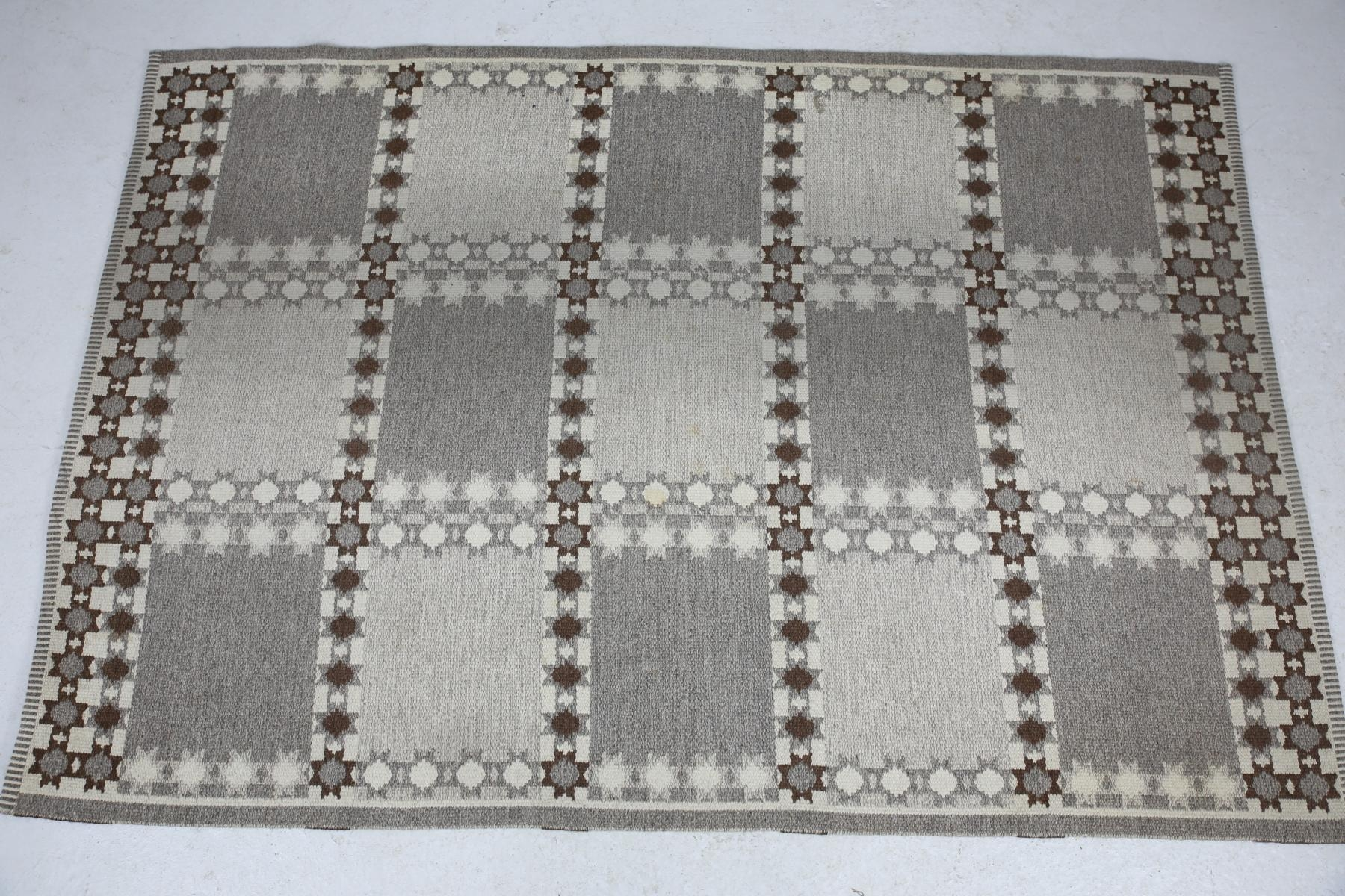 Large Swedish Patterned Rug In Gray And Brown Wool 1960s For Sale With Large Wool Rugs (Image 6 of 15)