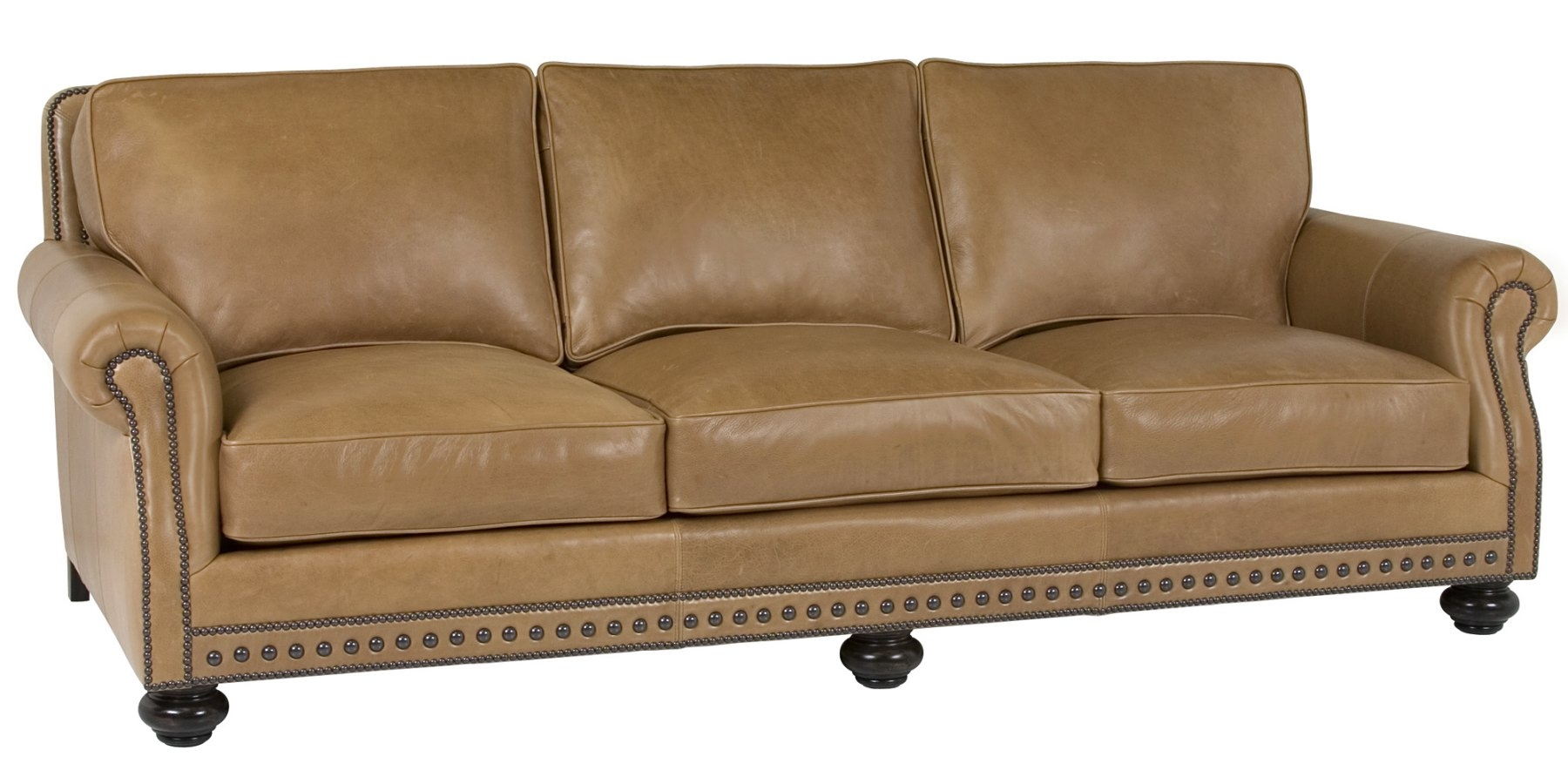 Featured Image of Traditional Leather Couch