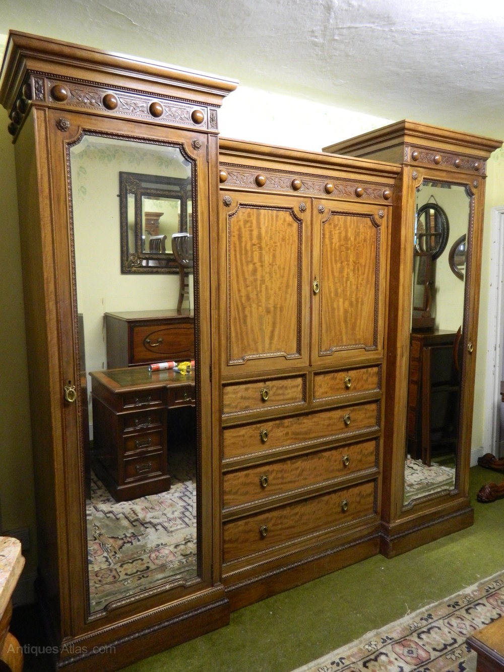 Mahogany Breakfront Wardrobe Antiques Atlas With Regard To Breakfront Wardrobe (Image 6 of 15)