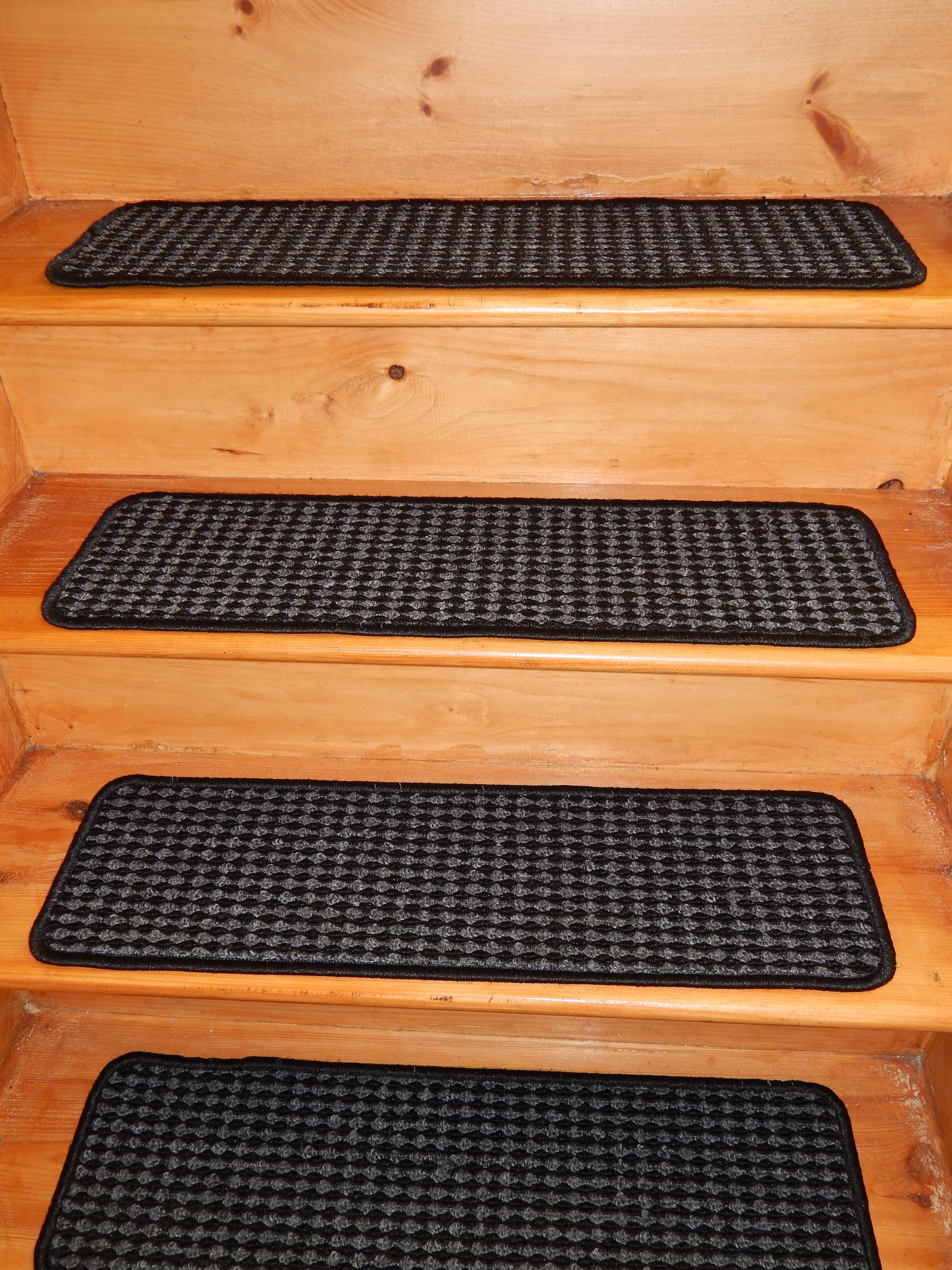 Outdoor Non Slip Stair Treads With Regard To Indoor Outdoor Carpet Stair Treads (Image 10 of 15)