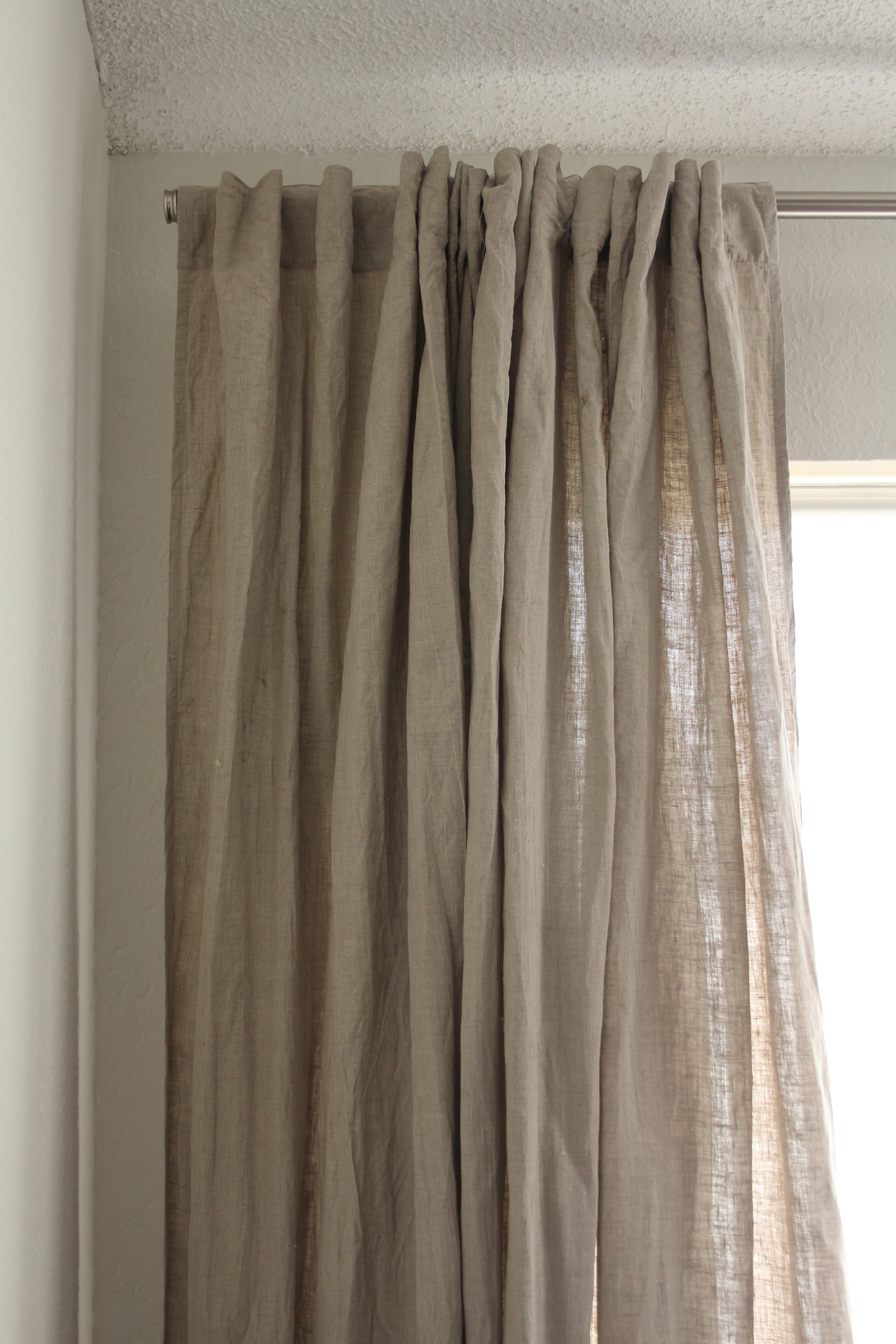 Raw Linen Linens Window And Living Rooms In Linen Grommet Curtains (Image 18 of 25)