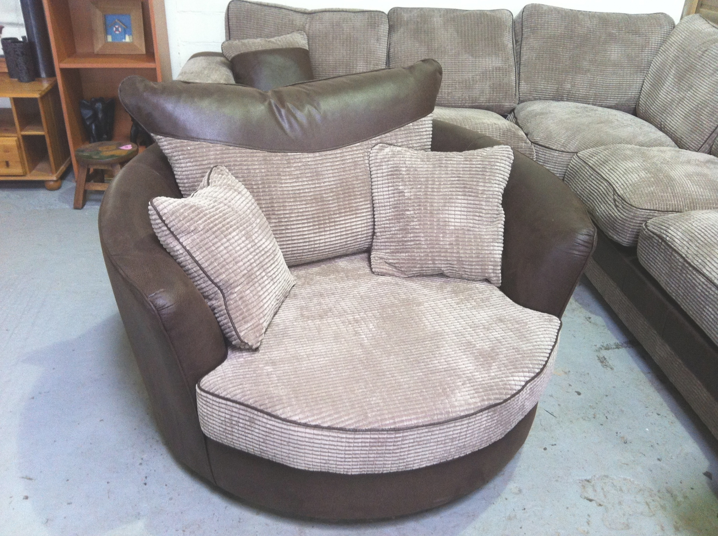 Round Swivel Snuggle Chair Home Chair Designs With Round Swivel Sofa Chairs (Image 8 of 15)