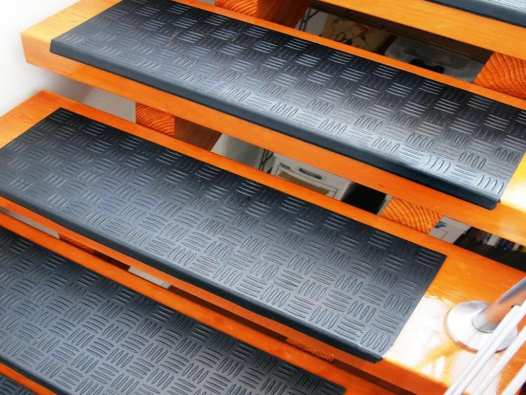 Rubber Stair Treads Coingrip Step Mats Set Of 6 Image Of Regarding Decorative Indoor Stair Treads (Image 12 of 15)