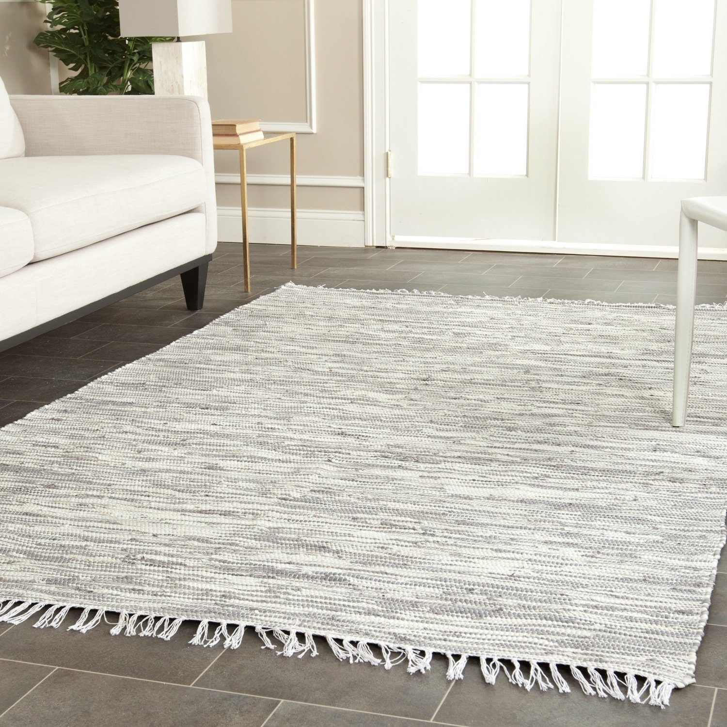Featured Image of Cheap Silver Rugs
