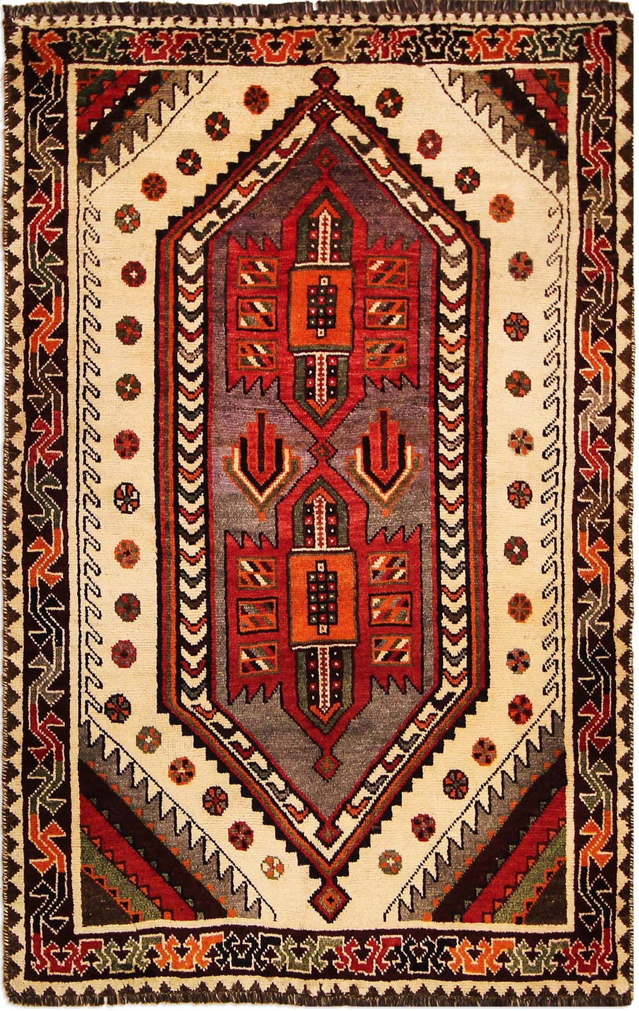 Shiraz Traditional Carpet 208 X 131 Cm682 X 43 Ft Throughout Traditional Carpets (Image 6 of 15)