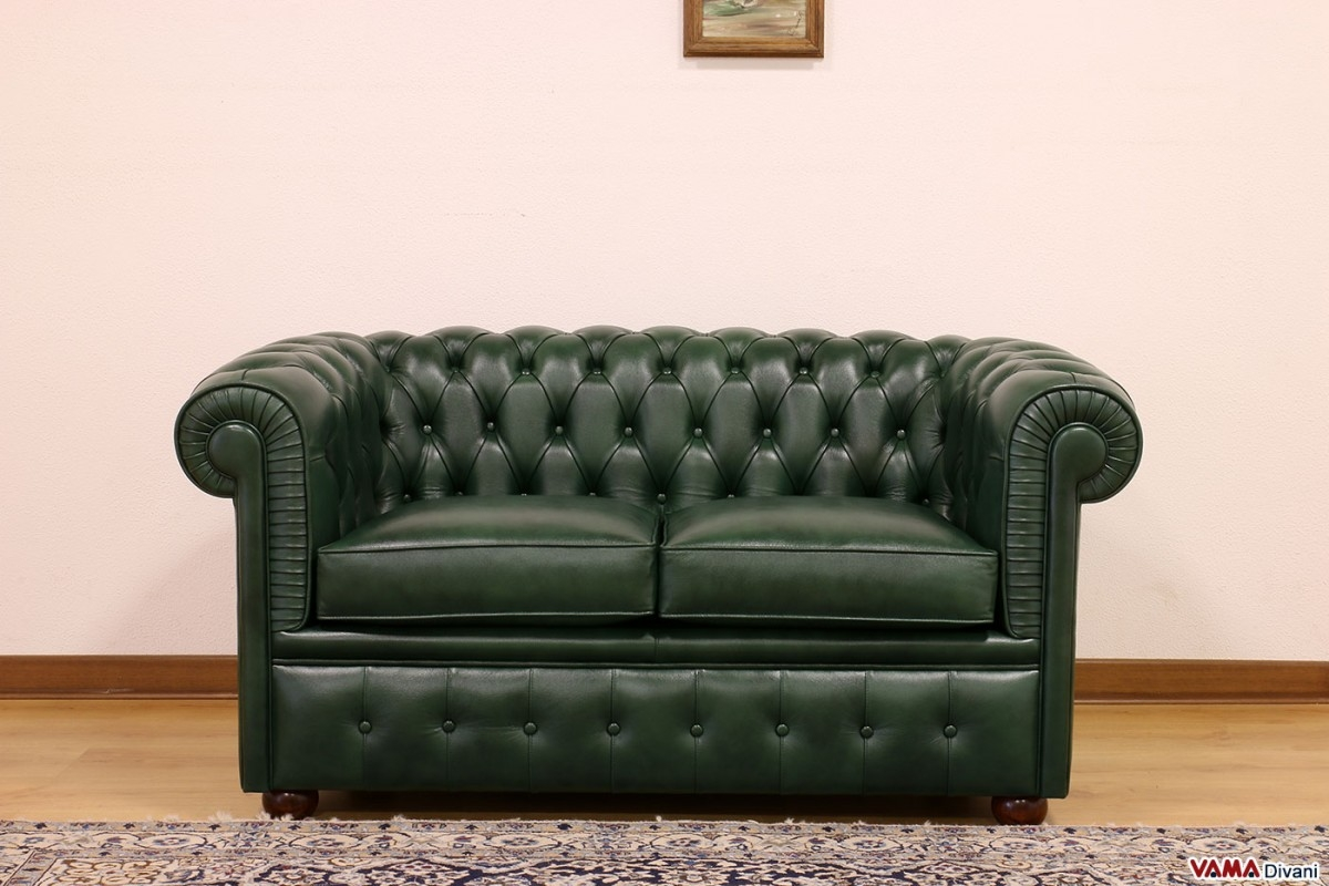 Featured Image of Small Chesterfield Sofas