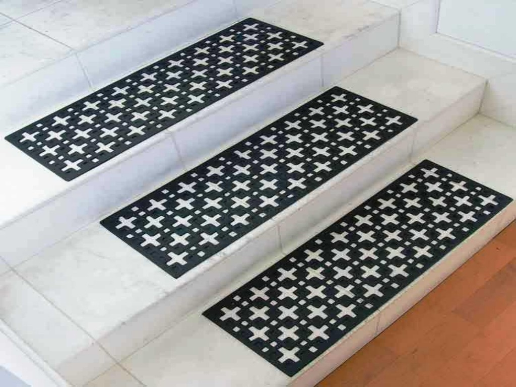 Stair Treads Decorative Rubber Stair Design Ideas Intended For Decorative Stair Treads (Image 15 of 15)