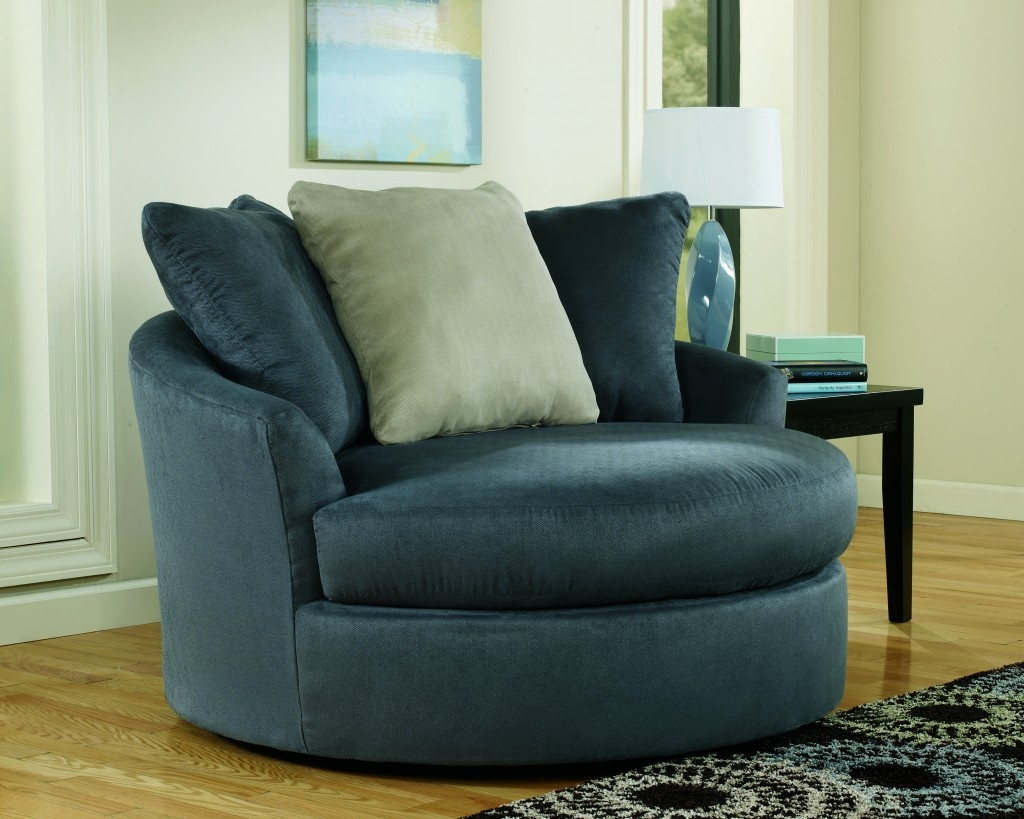 Swivel Chairs For Living Room Magnificent Green Blue Round Swivel Intended For Round Swivel Sofa Chairs (Image 14 of 15)