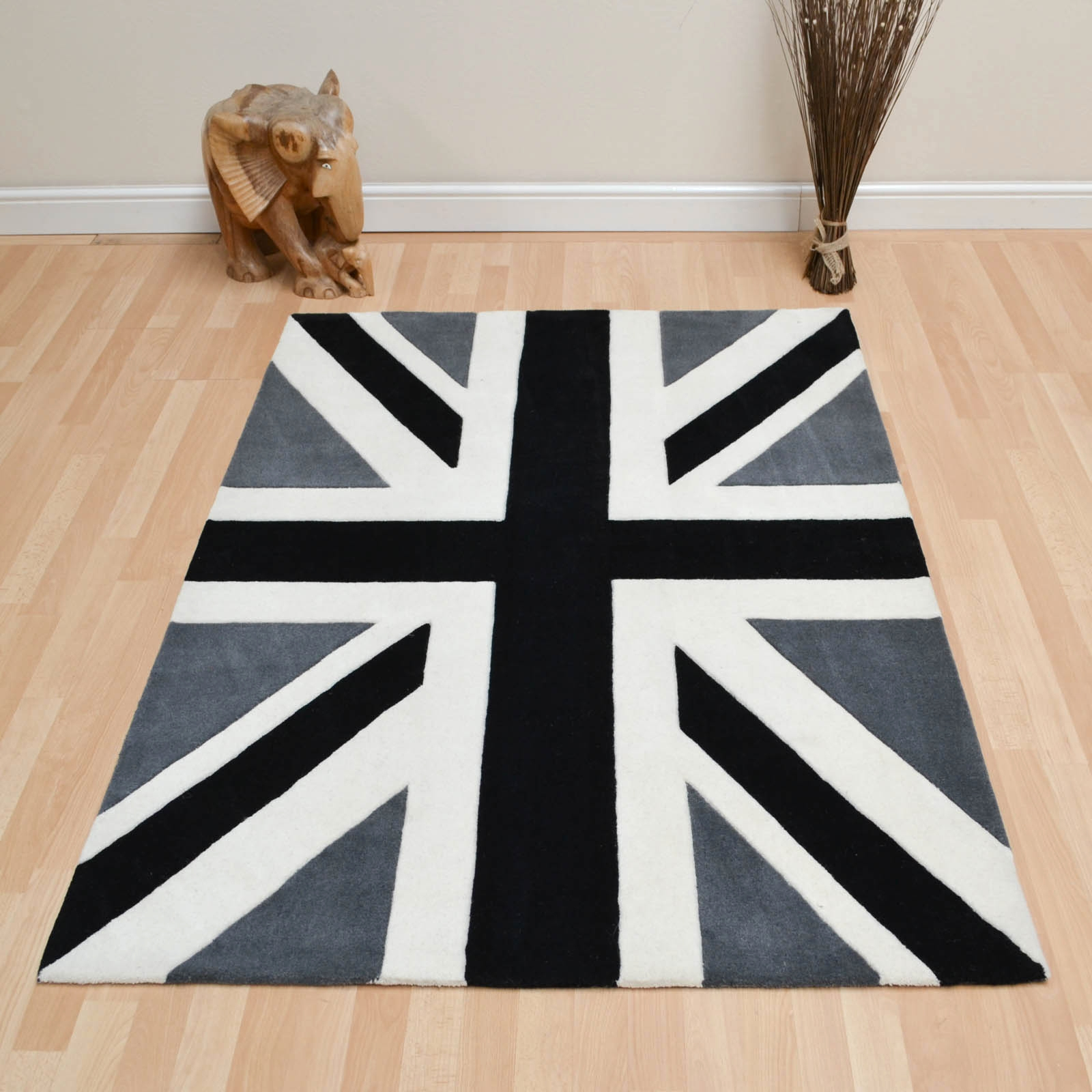 Union Jack Vintage Wool Rugs In Red Blue And Beige Free Uk Within Union Jack Rugs (Photo 4 of 15)