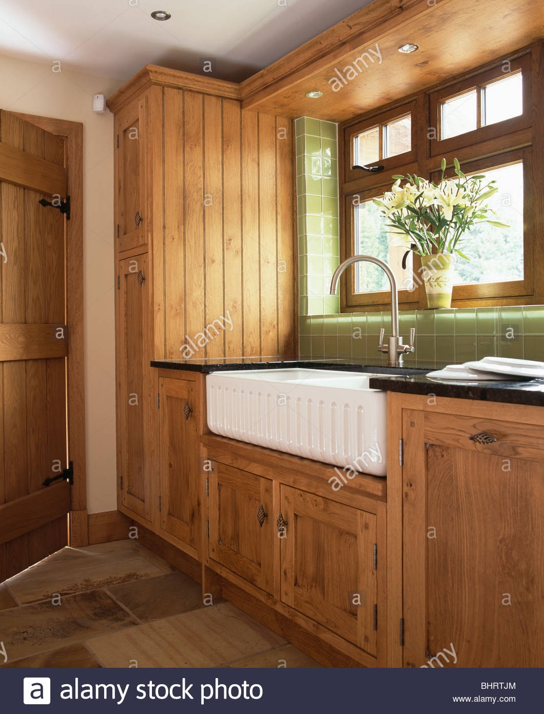 Featured Image of Oak Cupboards