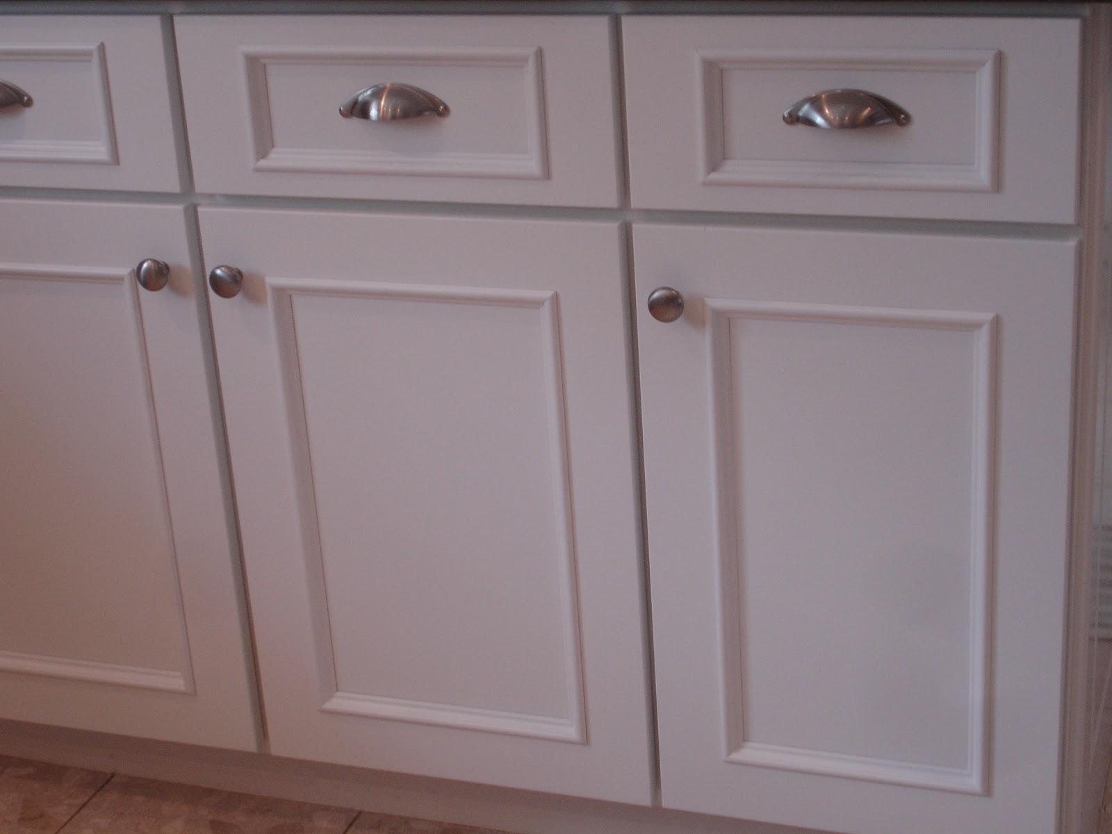 White Kitchen Cabinet Doors New Cabinet Doors And Drawers Regarding White Kitchen Cupboard Doors (Image 25 of 25)