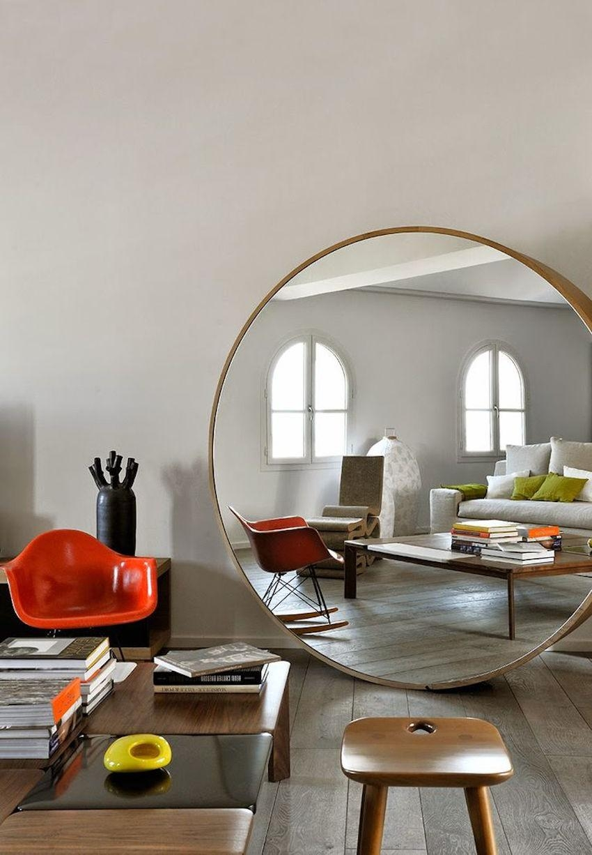 10 Dazzling Round Wall Mirrors To Decorate Your Walls Regarding Circular Wall Mirrors (Image 2 of 20)